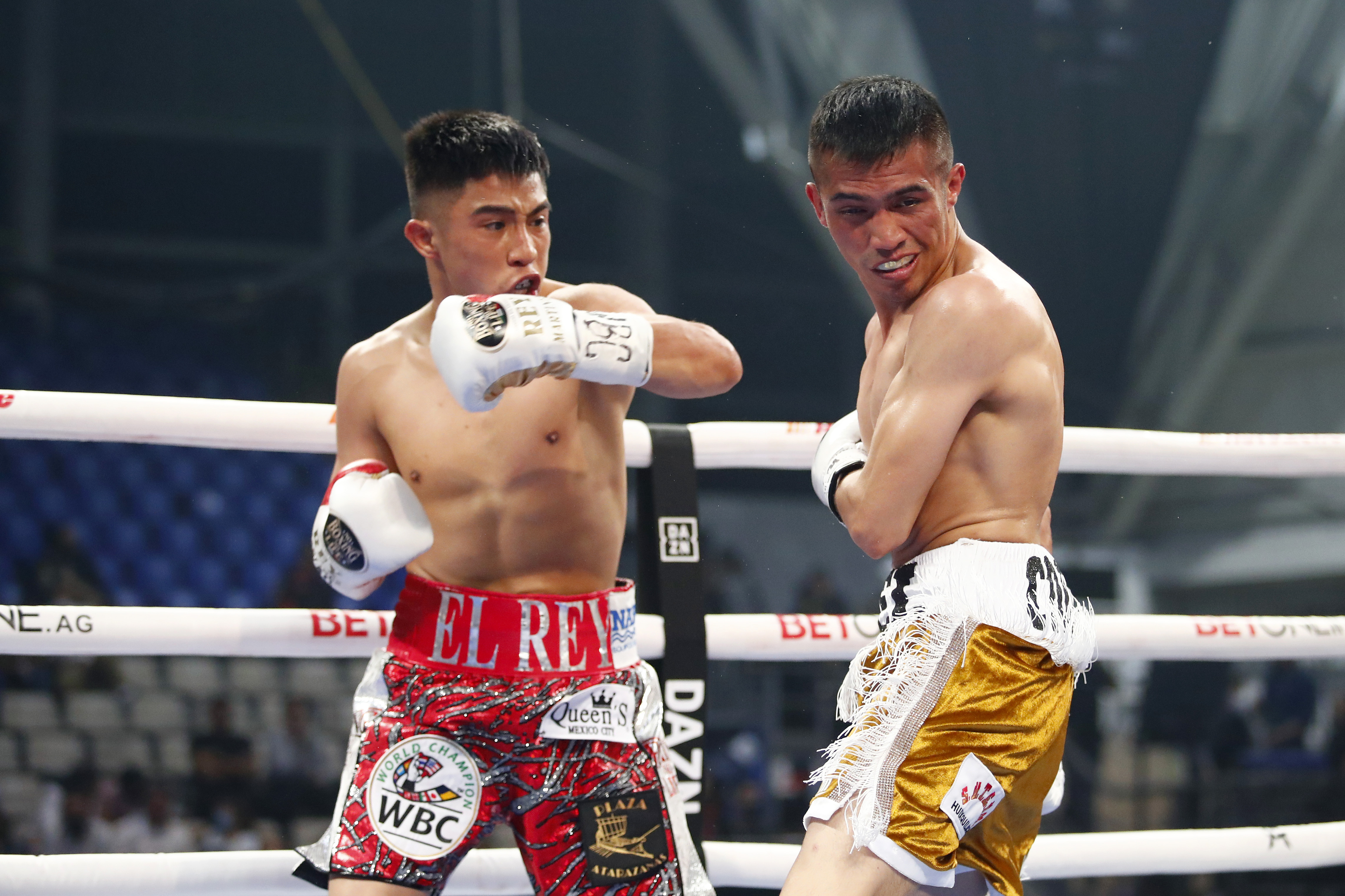 WBC World Flyweigh Fight: Julio Cesar Martinez v Joel Cordova