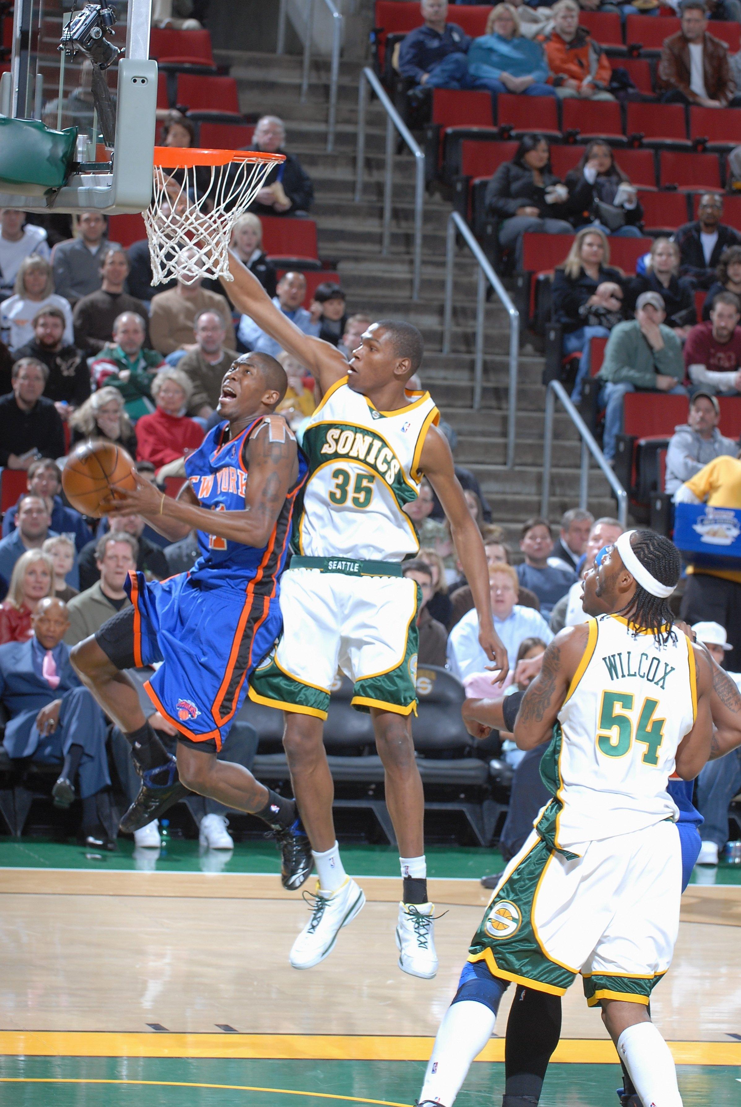 New York Knicks v Seattle SuperSonics