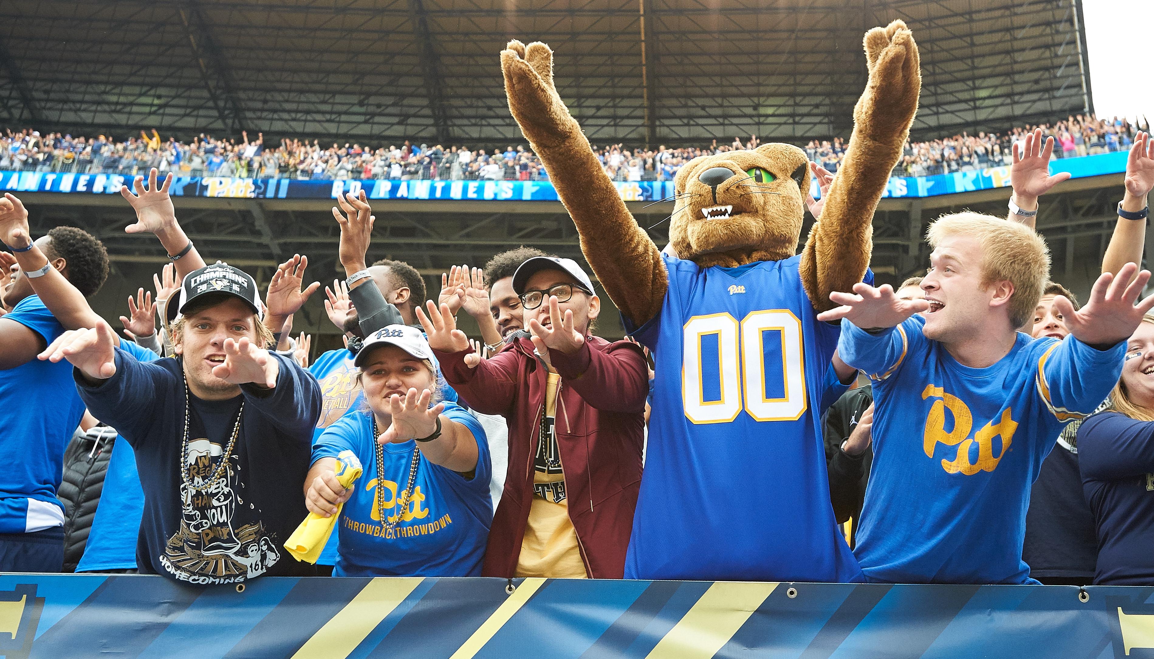 NCAA FOOTBALL: OCT 08 Georgia Tech at Pitt