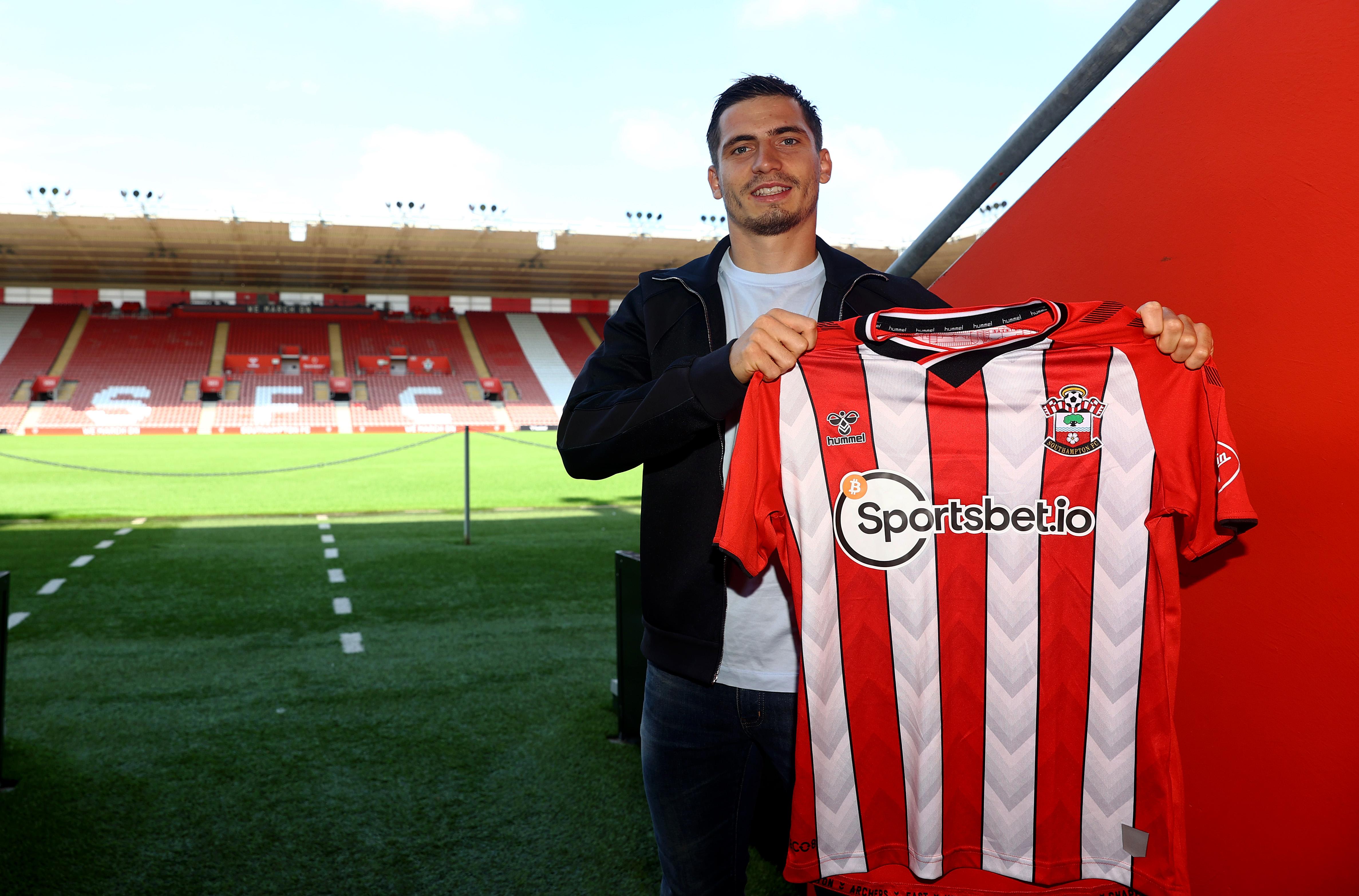 Southampton, Saints, transfer, Romain Perraud, signing, Brest, Premier League, Ryan Bertrand
