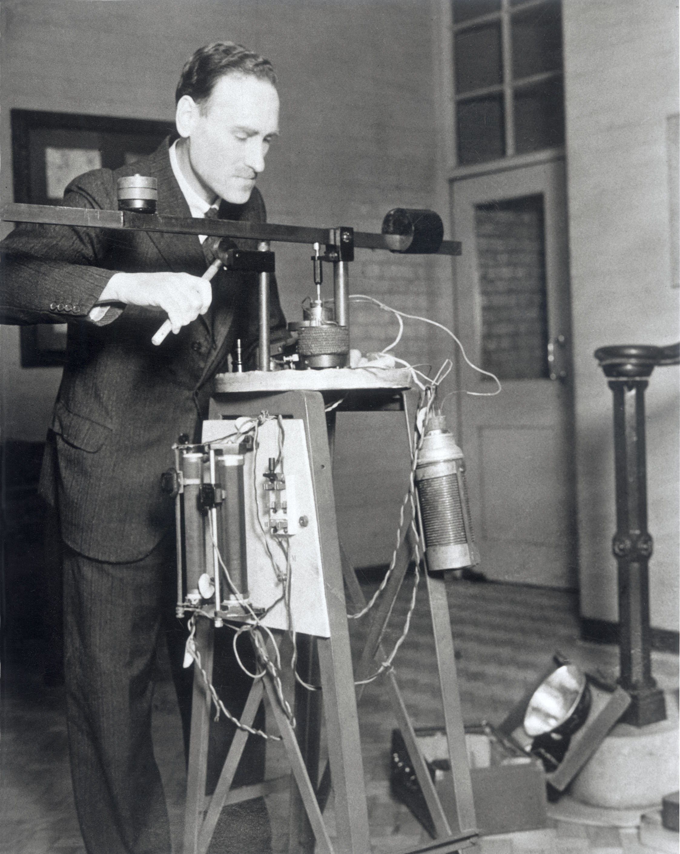 The Robot Dentist, 1 May 1936.