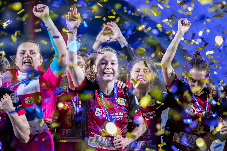 Anna Szymanska and Weronika Zawistowska of Czarni celebrate...