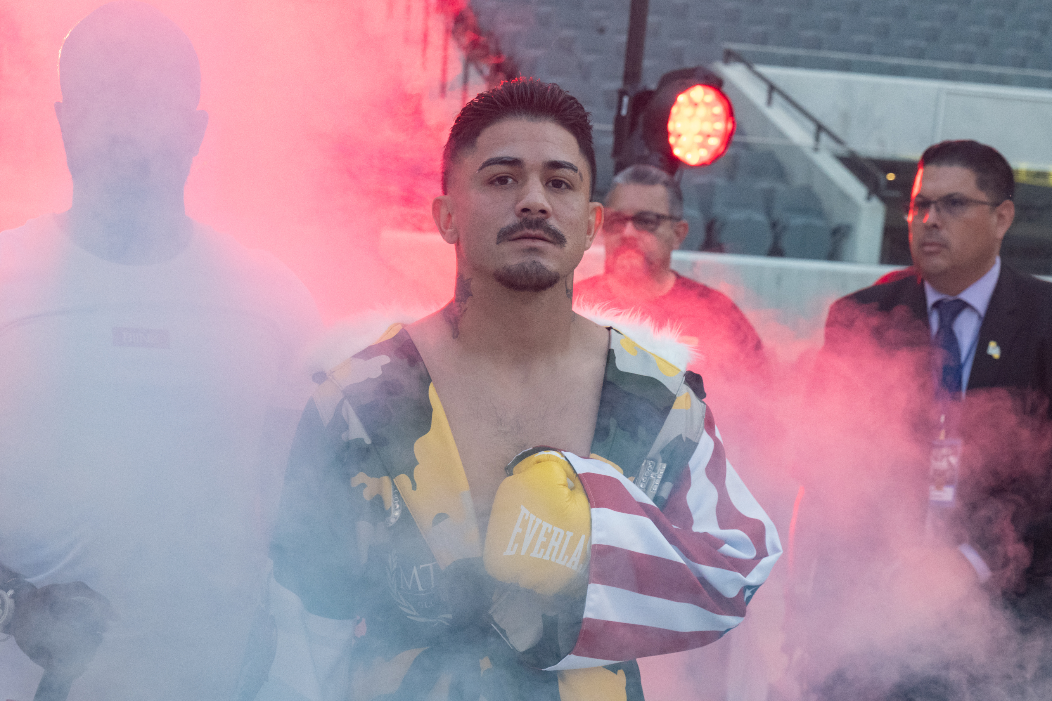 Gilberto Ramirez v Sullivan Barrera