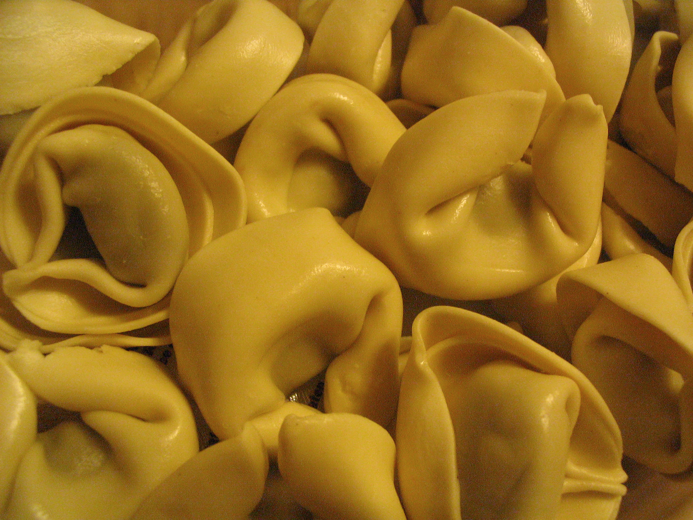This skillet tortellini takes less that 30 minutes from start to serve.