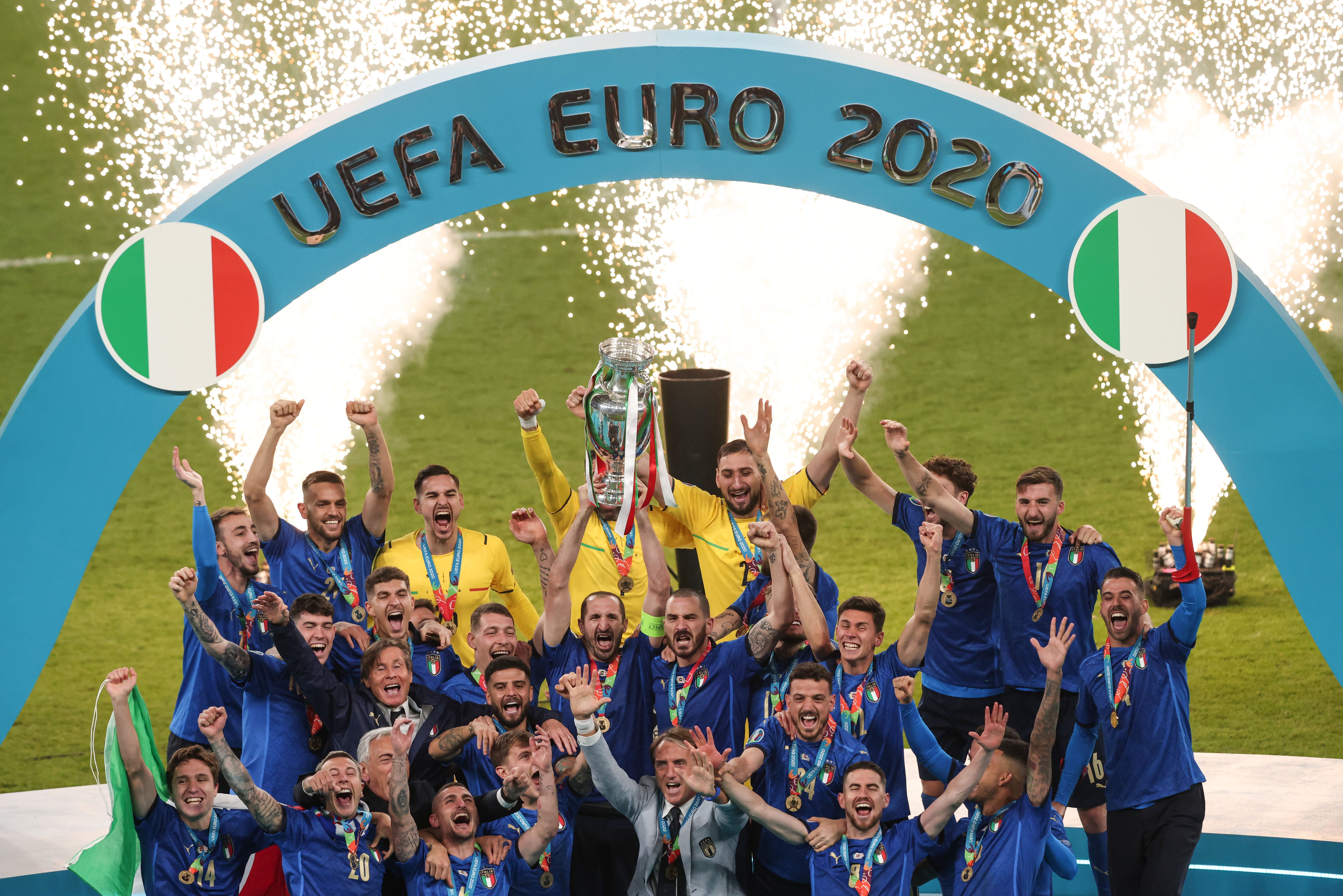 Italy lifts the trophy - UEFA Euro 2020: Final
