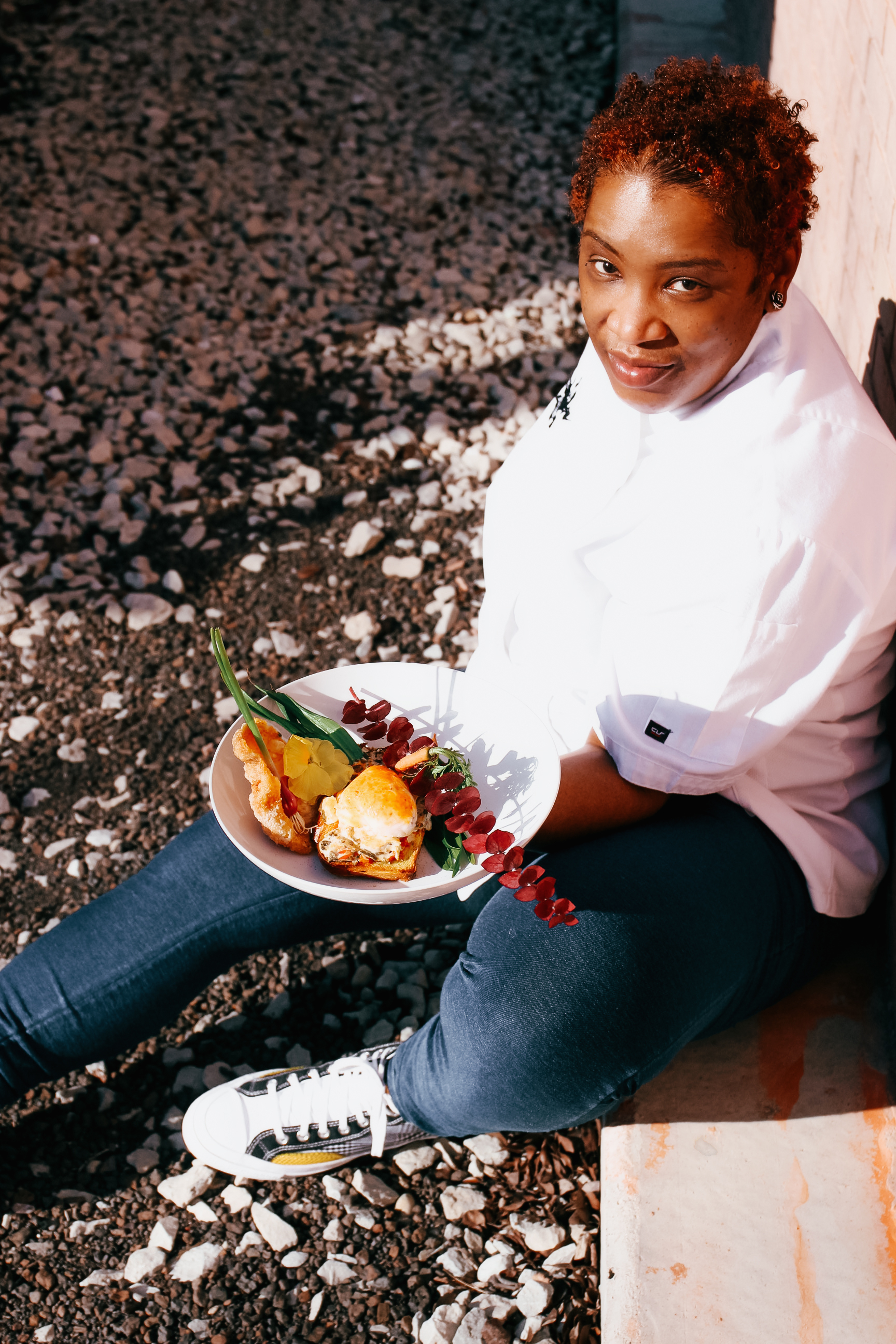 After the pandemic shuttered Teertsemasesottehg, the just-beginning-to-blossom, upscale catering and pop-up supper club business she operates across Chicagoland, Chef Q. Ibraheem began distributing fancily prepared, farm-to-table meals to hungry families for free. The American Red Cross of Greater Chicago named her 2021 Disaster Services Hero. Now she has been named a CNN Hero.