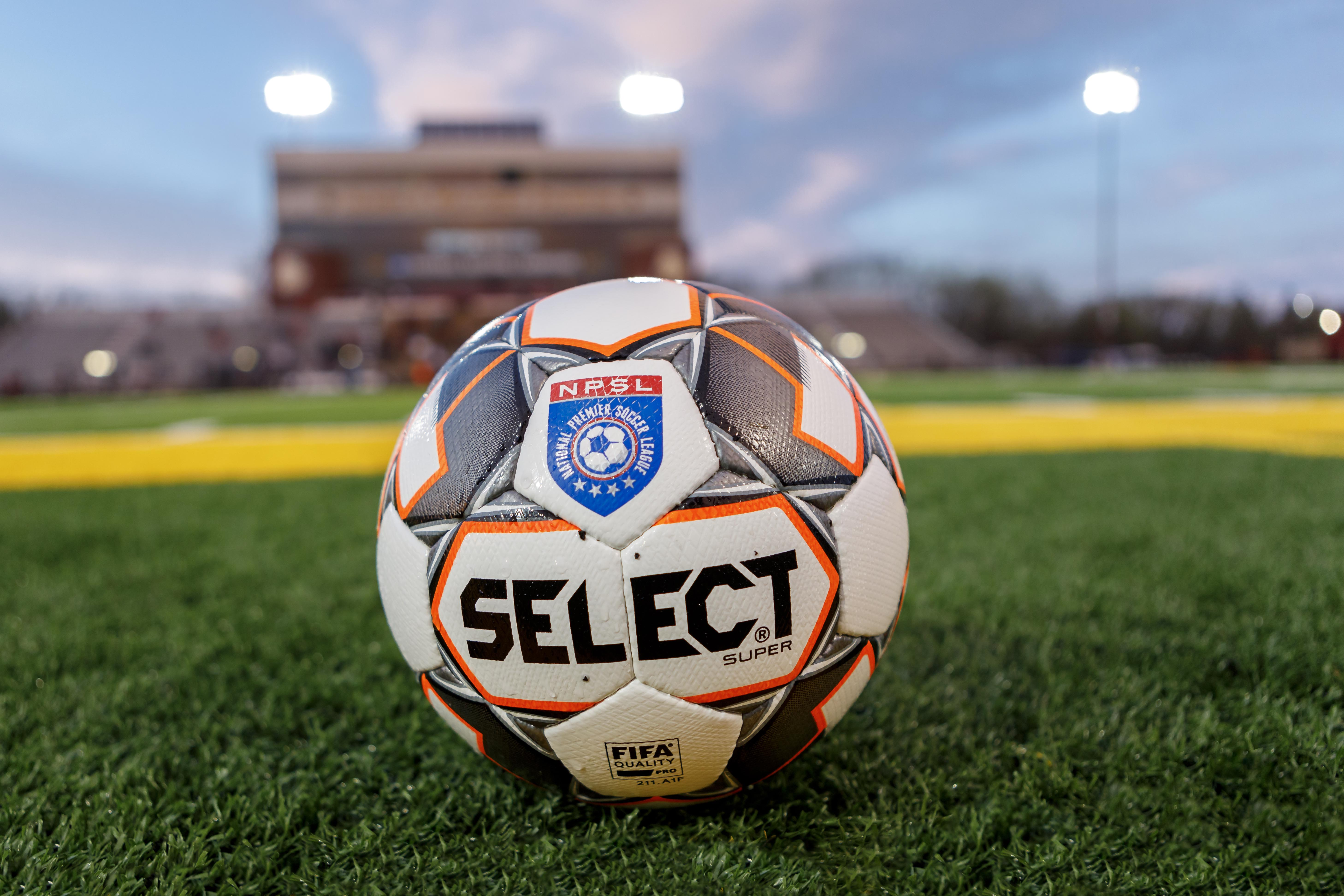 May 9, 2018 - Duluth, Minnesota, United States - Duluth FC and Dakota Fusion FC are level at halftime at 3-3 during the first round of the Lamar Hunt U.S. Open Cup in a match held at James S. Malosky Stadium.   (Photo by Seth Steffenhagen/Steffenhagen Photography)