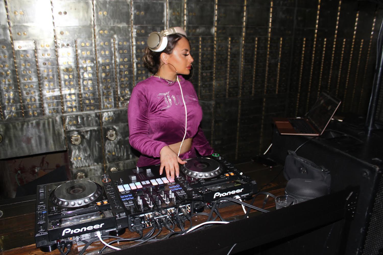 Lala the DJ