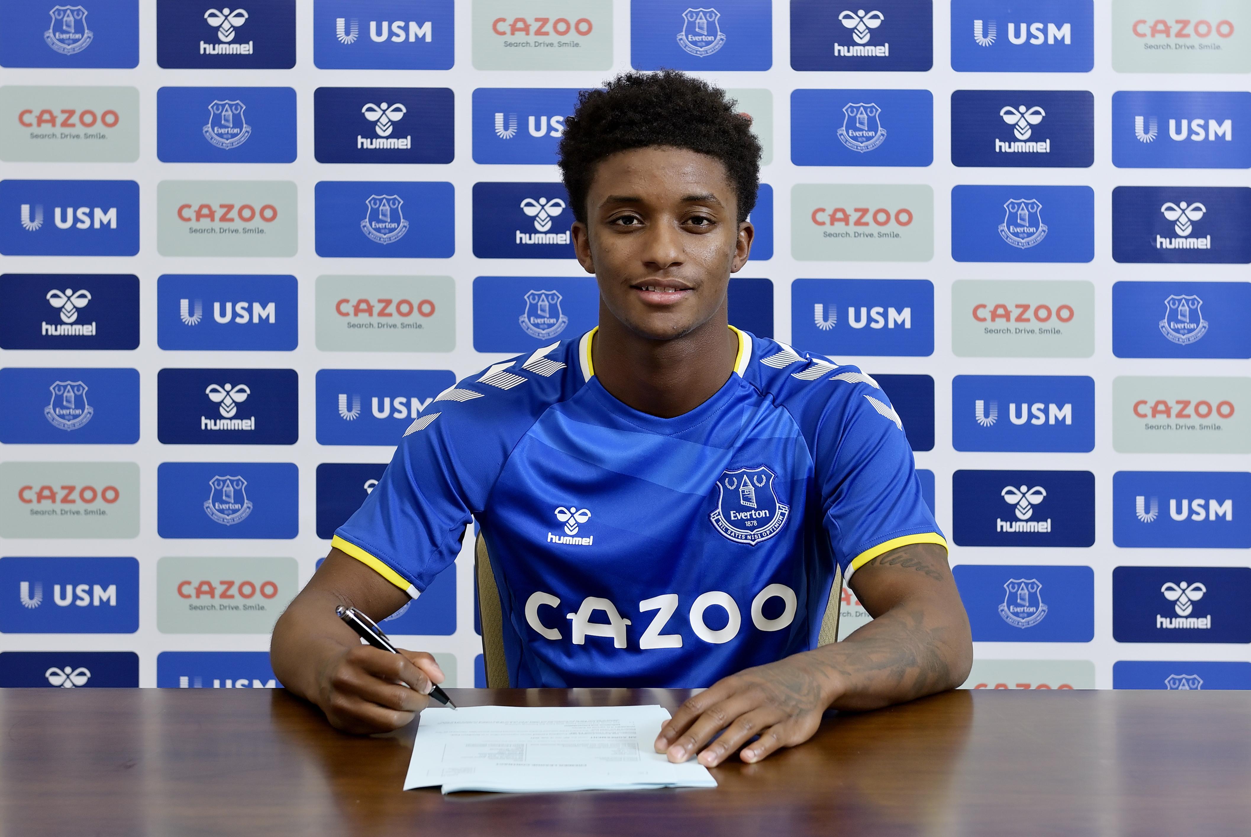 Everton Unveil New Signing Demarai Gray