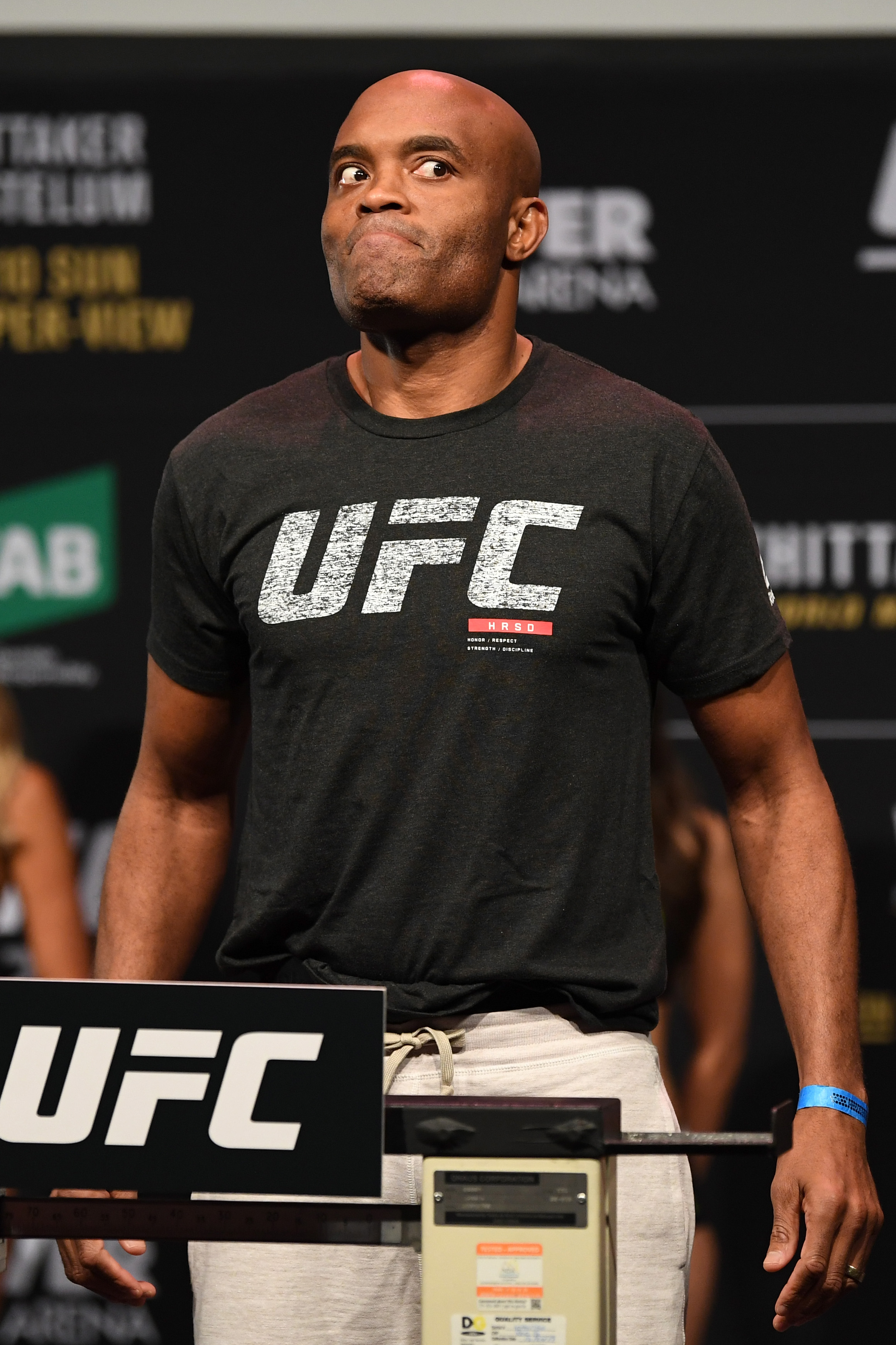 Anderson Silva quickly flipped to being the betting favorite over Logan Paul in potential boxing match