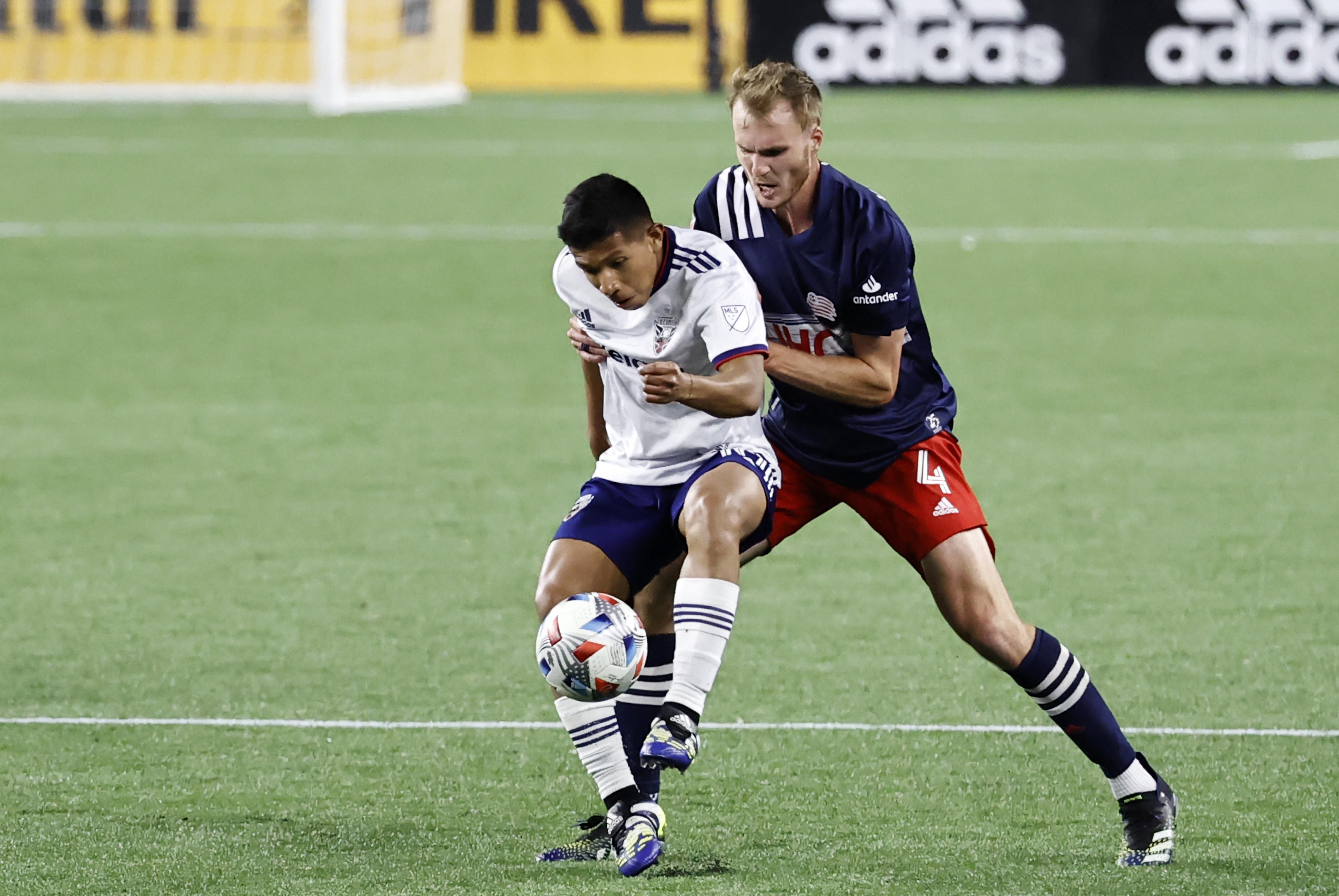 SOCCER: APR 24 MLS - DC United at New England Revolution