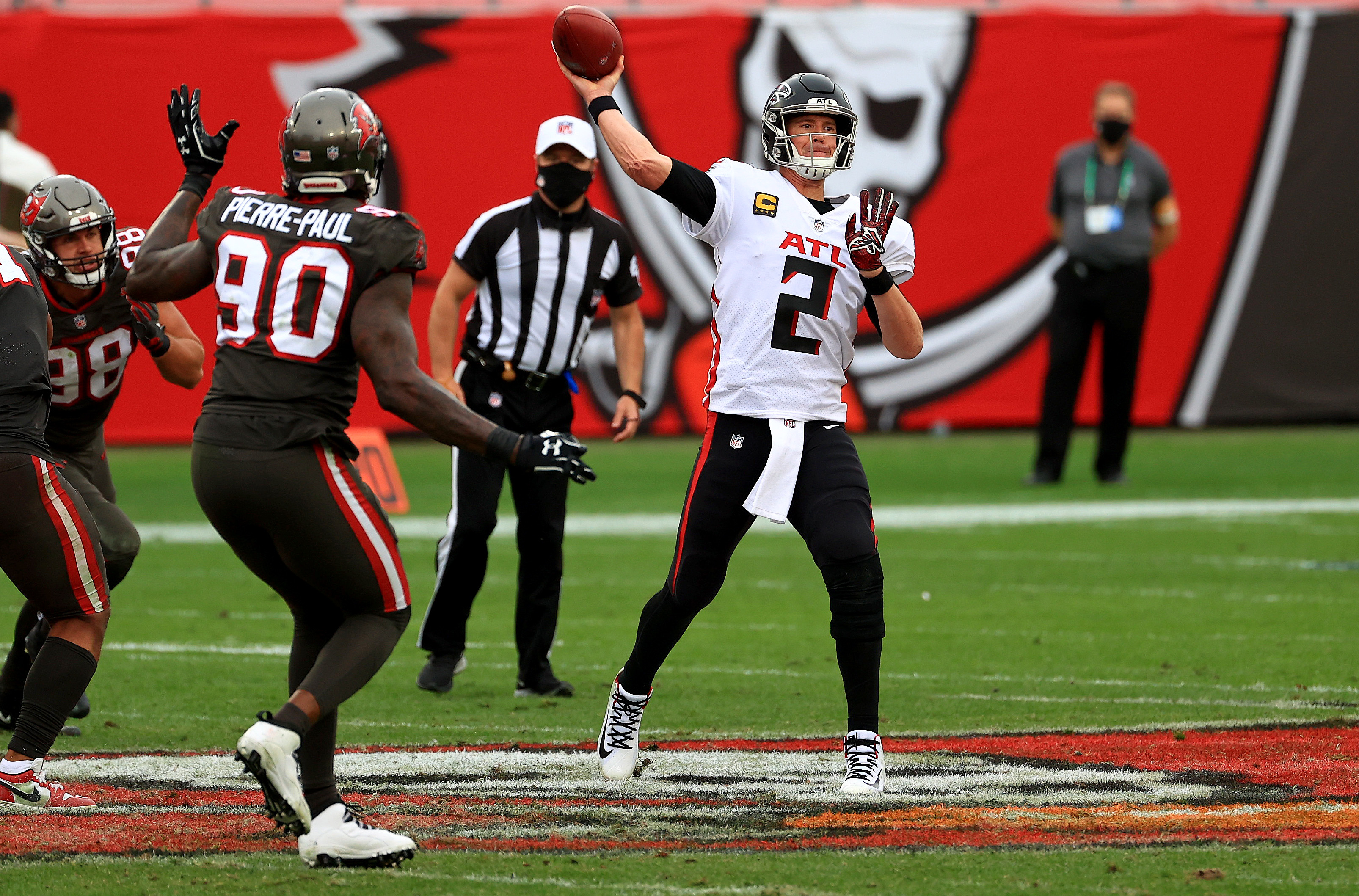 Matt Ryan #2 of the Atlanta Falcons passes during a game against the Tampa Bay Buccaneers at Raymond James Stadium on January 03, 2021 in Tampa, Florida.