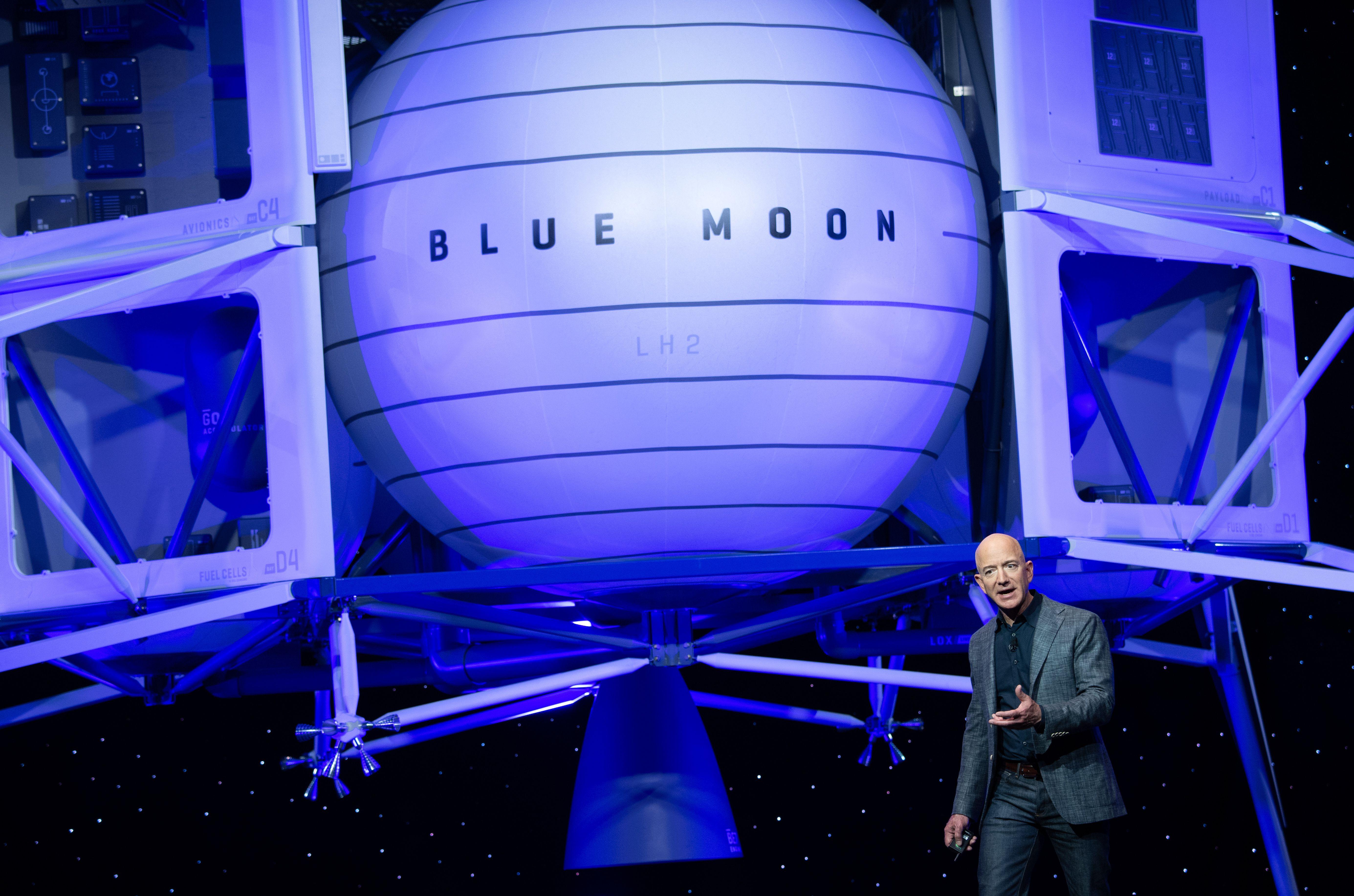 US-SPACE-BLUE ORIGIN-BEZOS