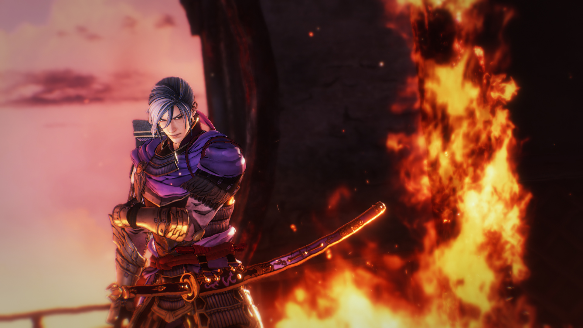 One of the characters in Samurai Warriors 5 stands in front of a blazing fire