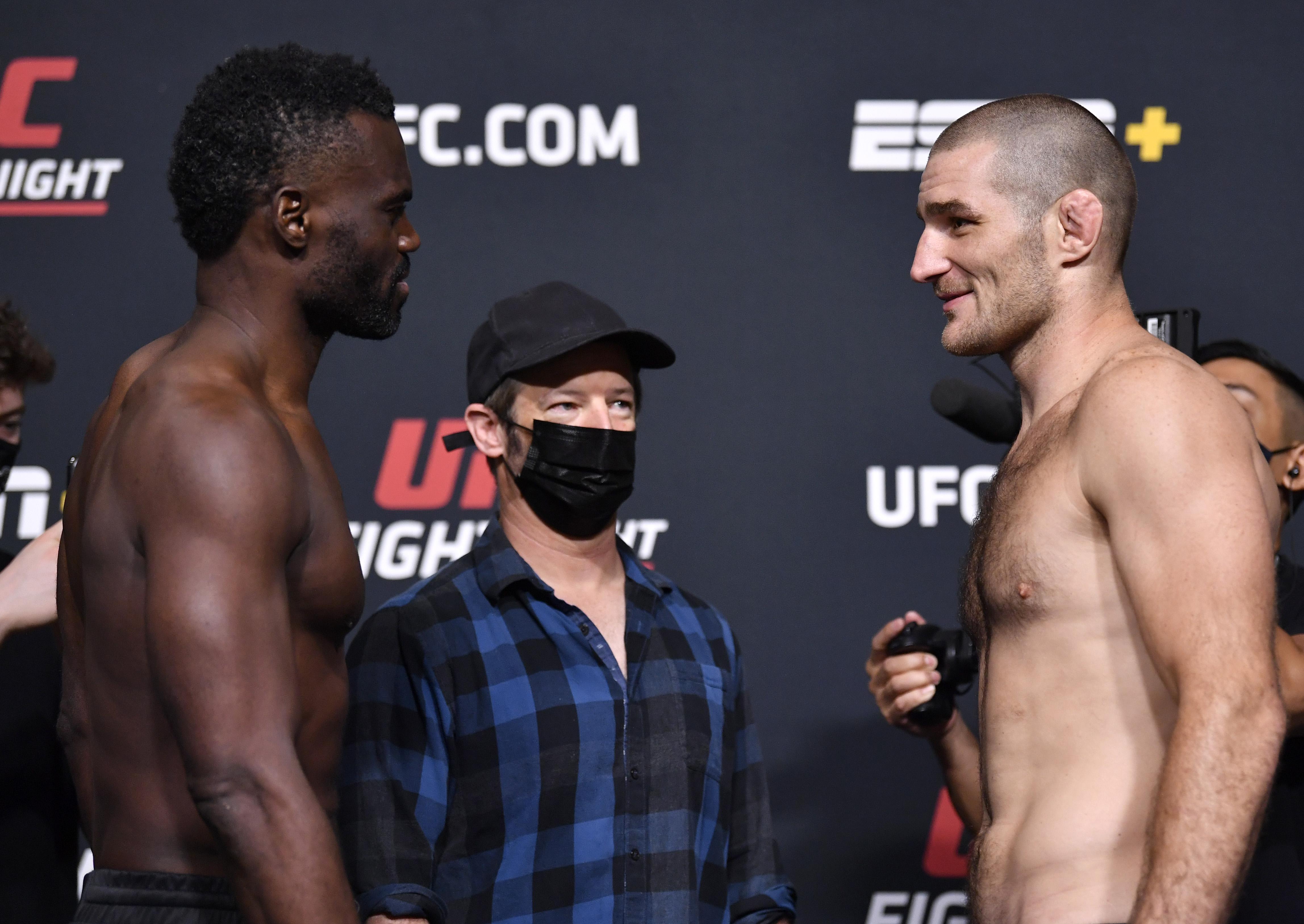 Uriah Hall和Sean Strickland在UFC拉斯维加斯33