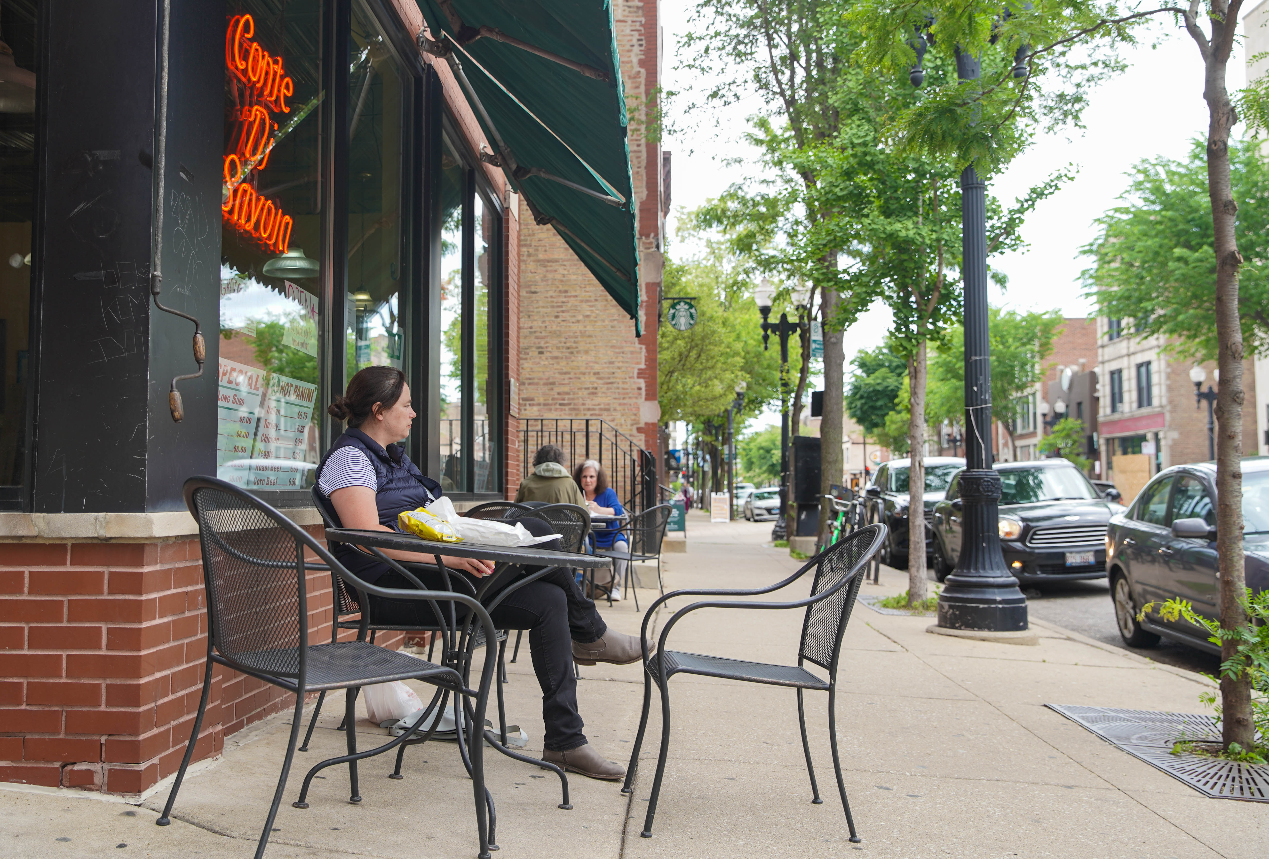 Conte Di Savoia, 1438 W. Taylor St.had its patio open for guests to enjoy their lunch at on Wednesday, June 3.