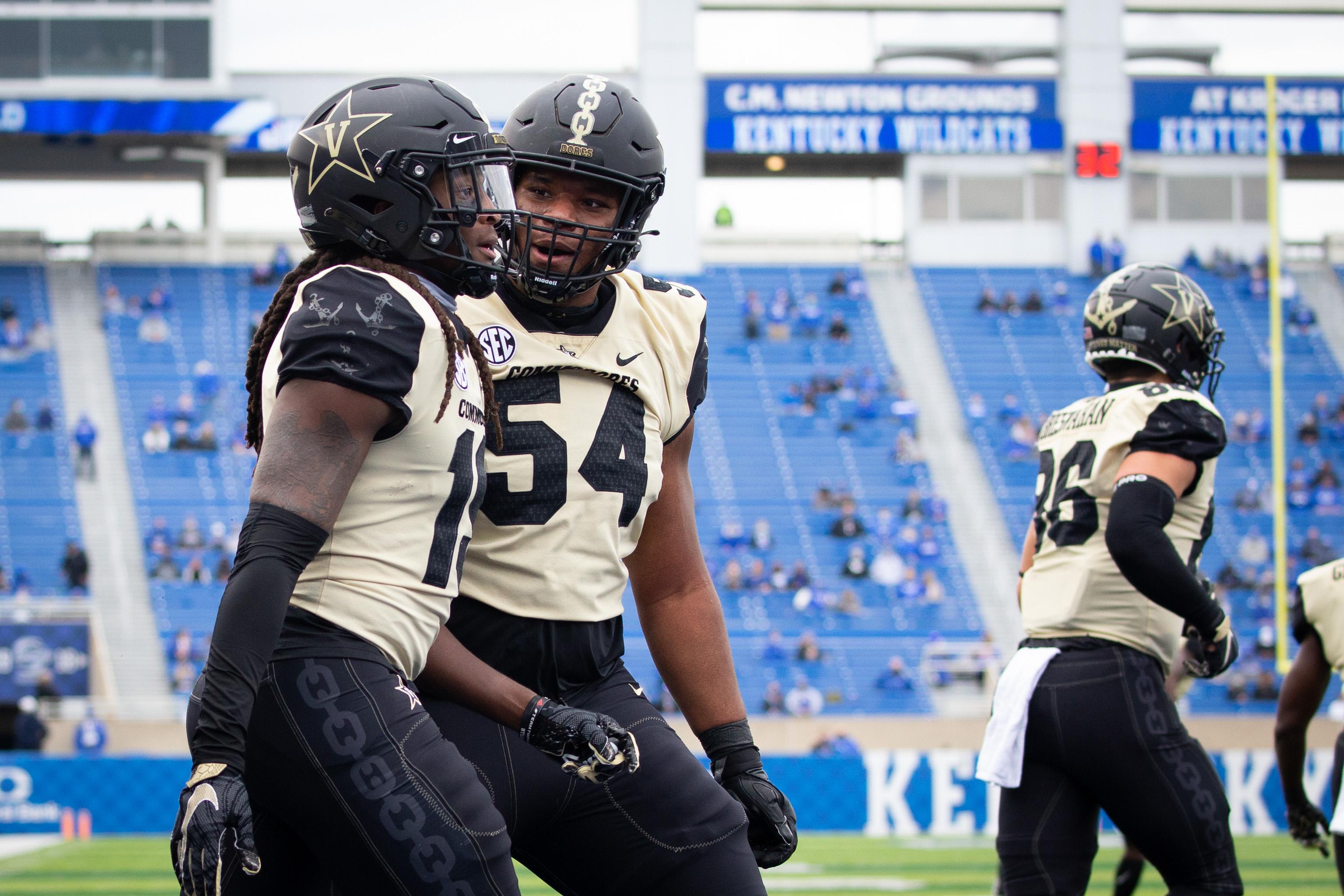 NCAA Football: Vanderbilt at Kentucky