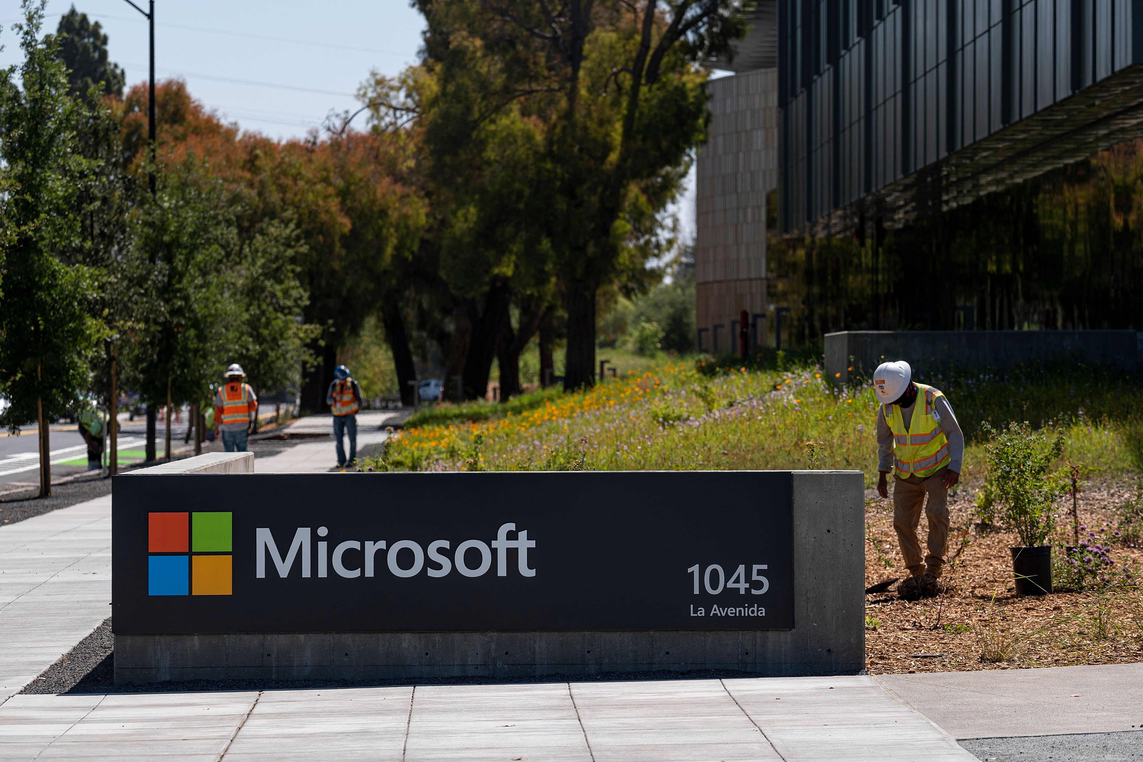 A Microsoft Campus Ahead Of Earnings Figures