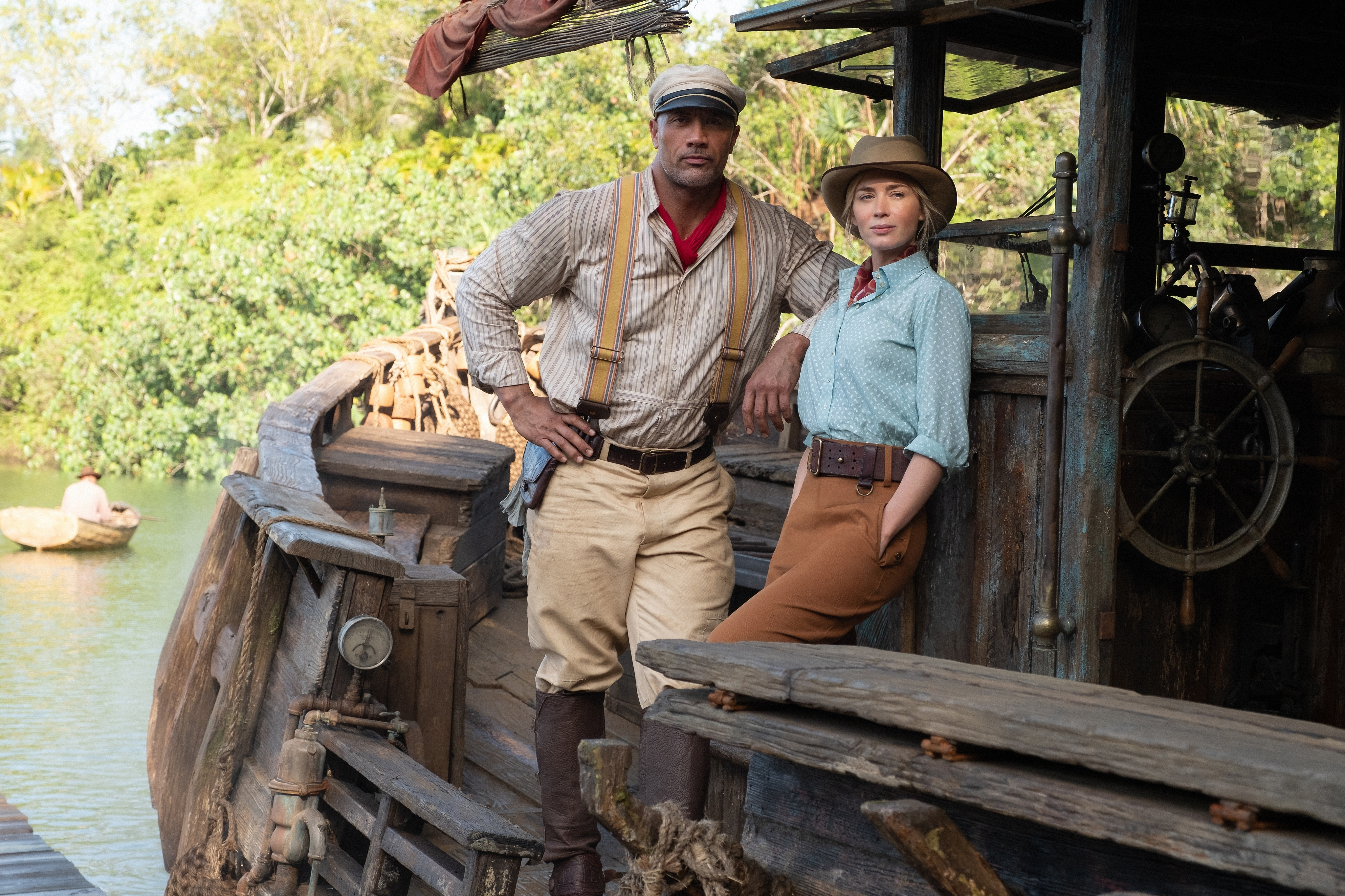 frank and lily standing in front of the titular jungle cruise