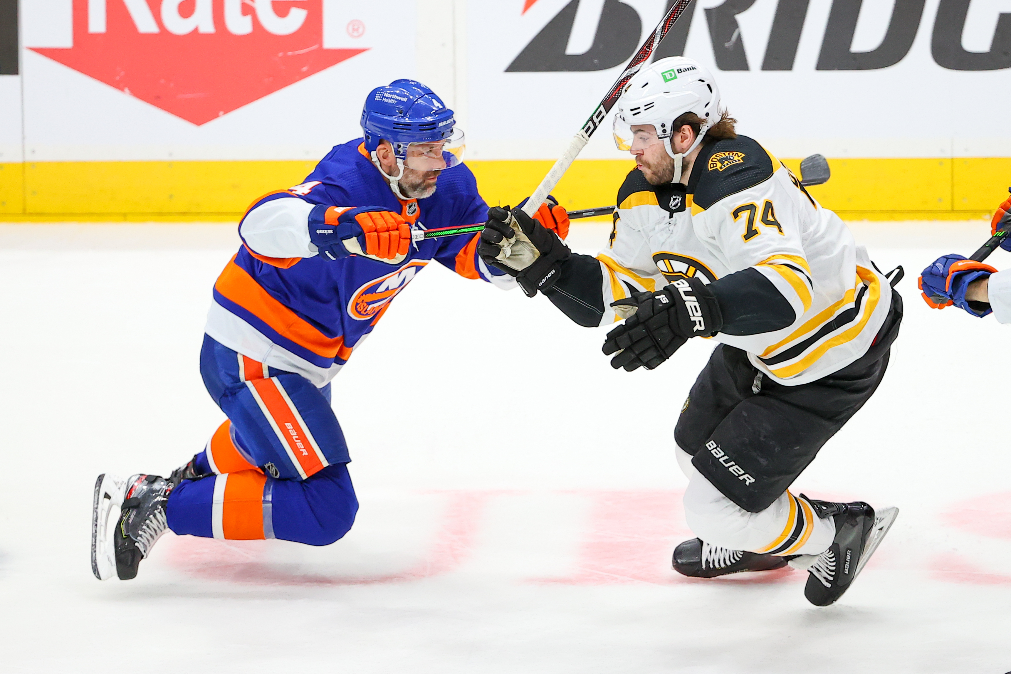 NHL: JUN 05 Stanley Cup Playoffs Second Round - Bruins at Islanders