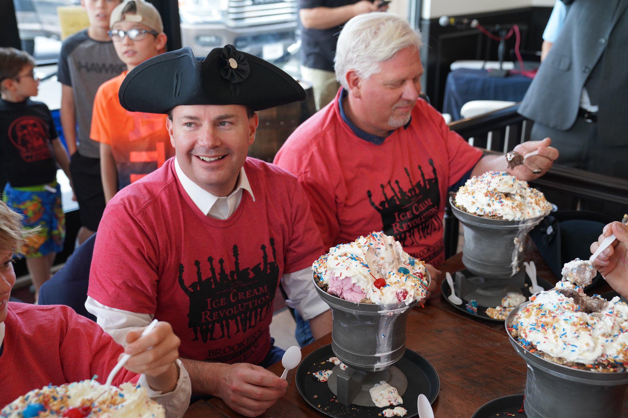 Mike Lee and Glenn Beck eat patriotic ice cream in Utah