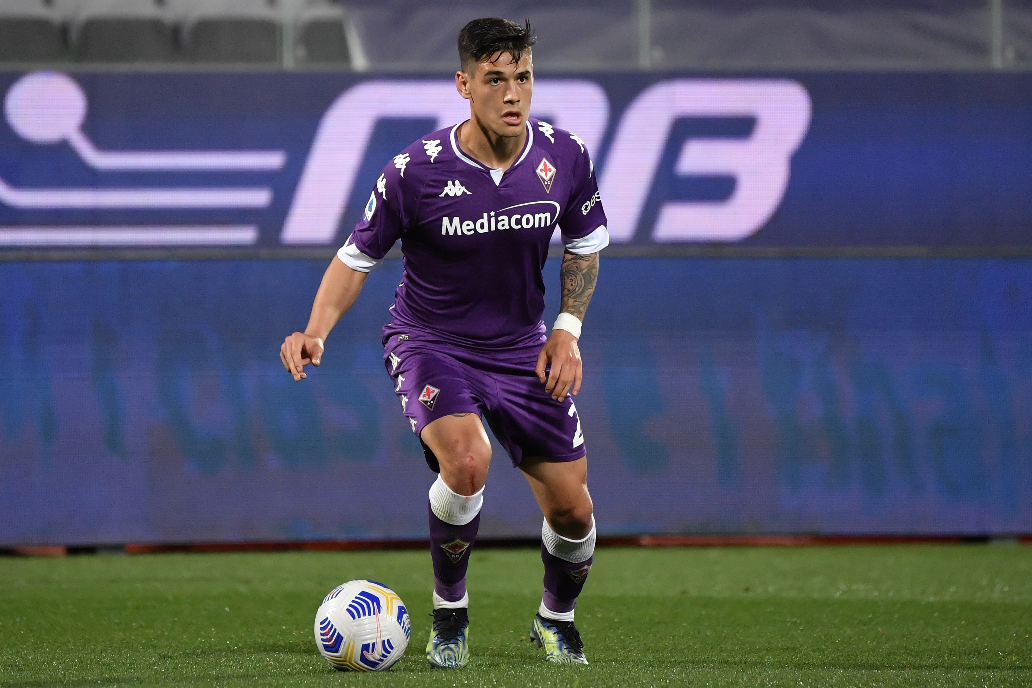 Lucas Martinez Quarta of ACF Fiorentina in action during the...