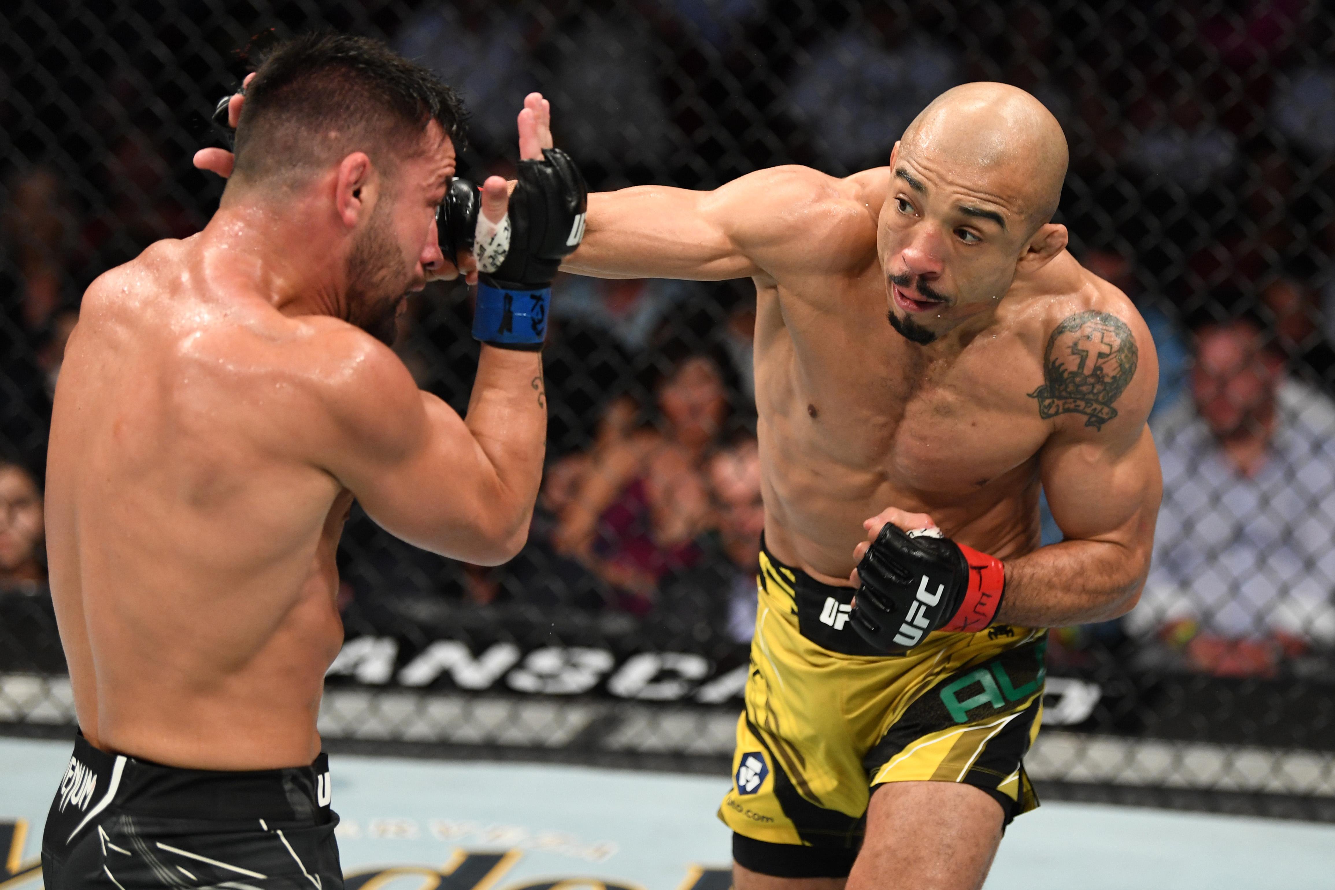 Jose Aldo got the best of Pedro Munhoz in the UFC 265 co-main event