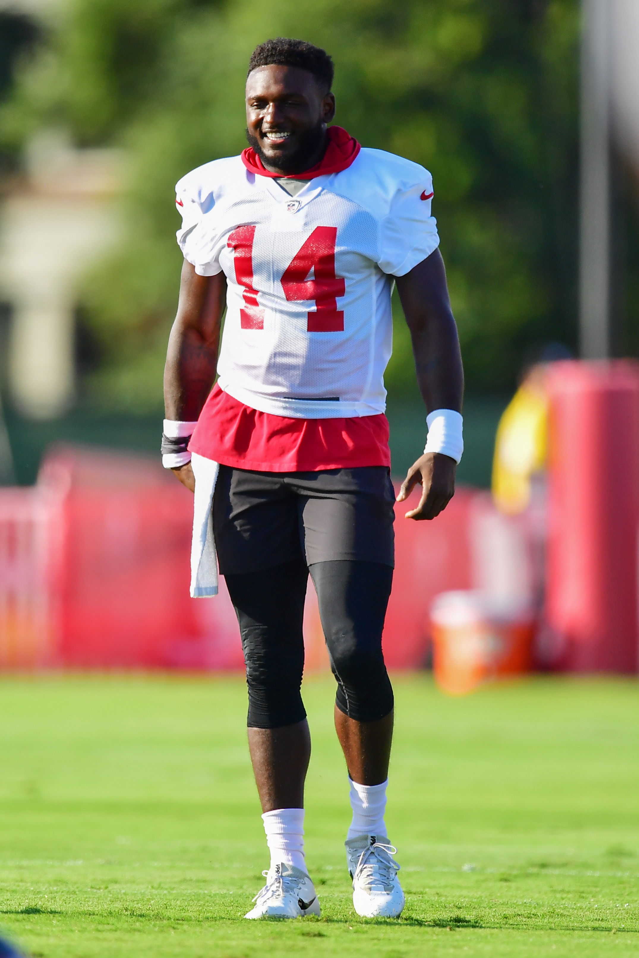 Chris Godwin #14 of the Tampa Bay Buccaneers warms up during training camp at AdventHealth Training Center on July 26, 2021 in Tampa, Florida.