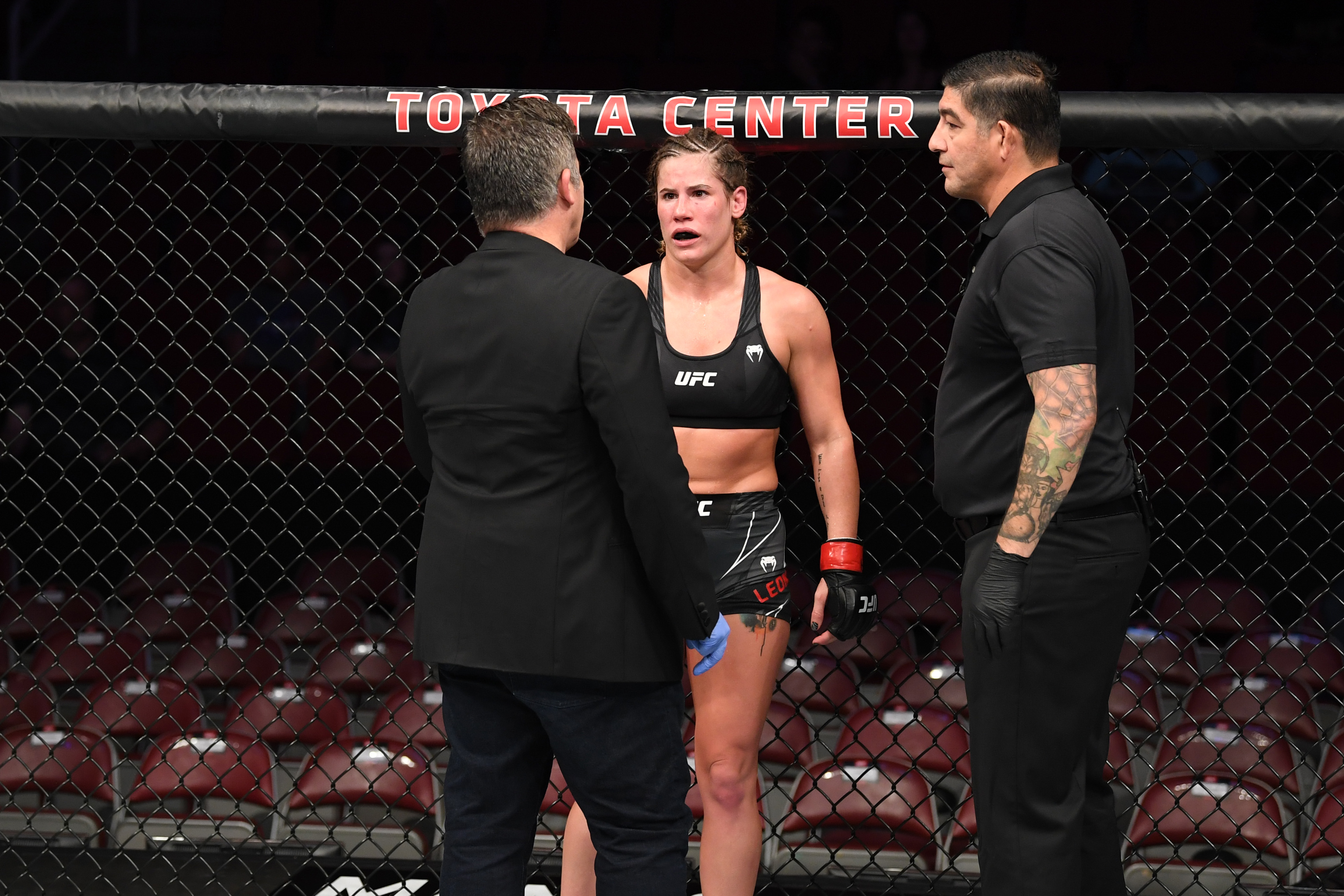 Victoria Leonardo had her fight with Melissa Gatto at UFC 265 waved off after a doctor determined her right arm was broken.
