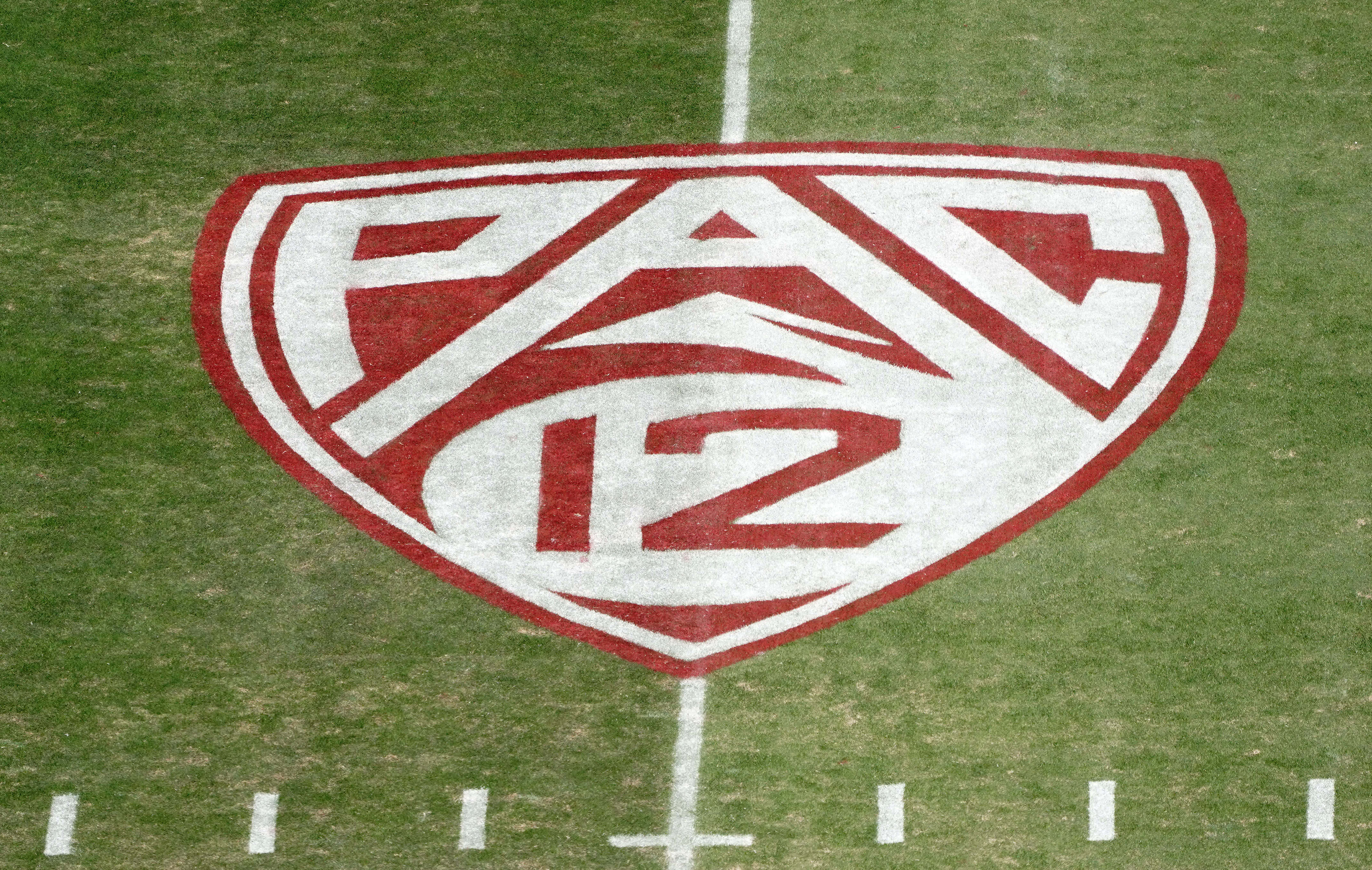 pac12-football-covid-forfeit-cancellation-vaccinations-fisch-arizona-wildcats-2021-2022-policy