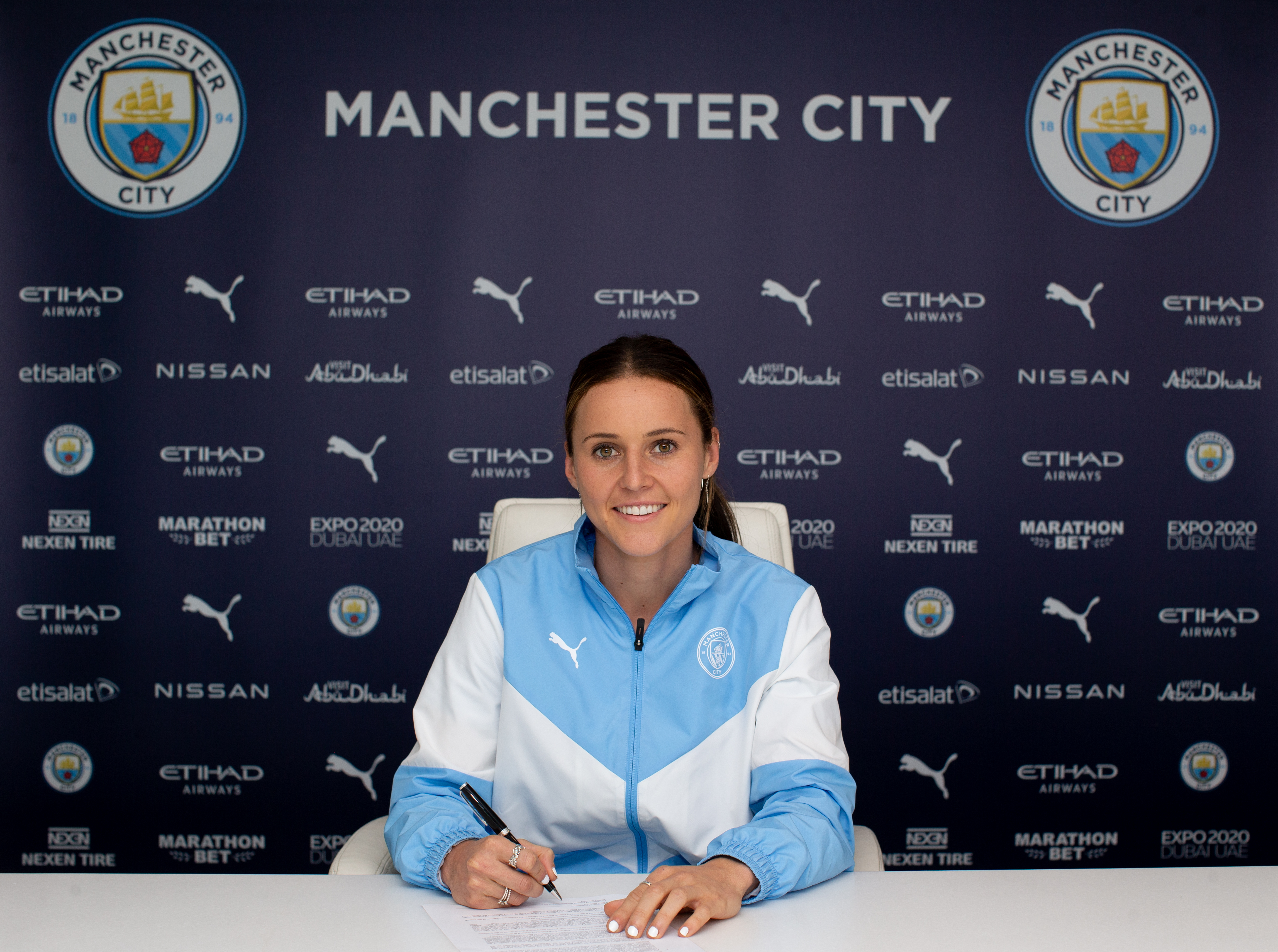 Manchester City Women Unveil New Signing Hayley Raso