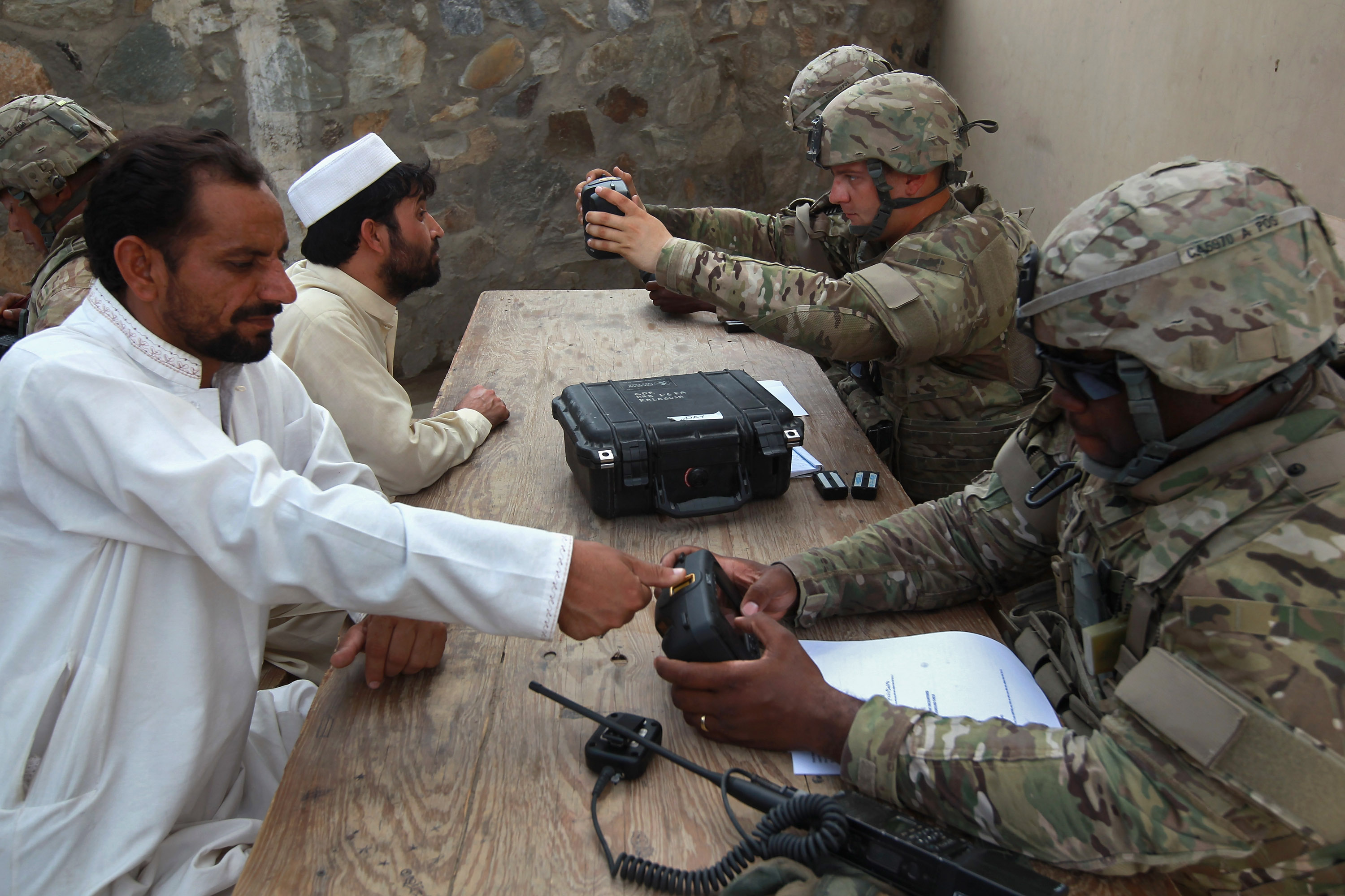 US And Afghan Forces Man Border Crossing With Pakistan