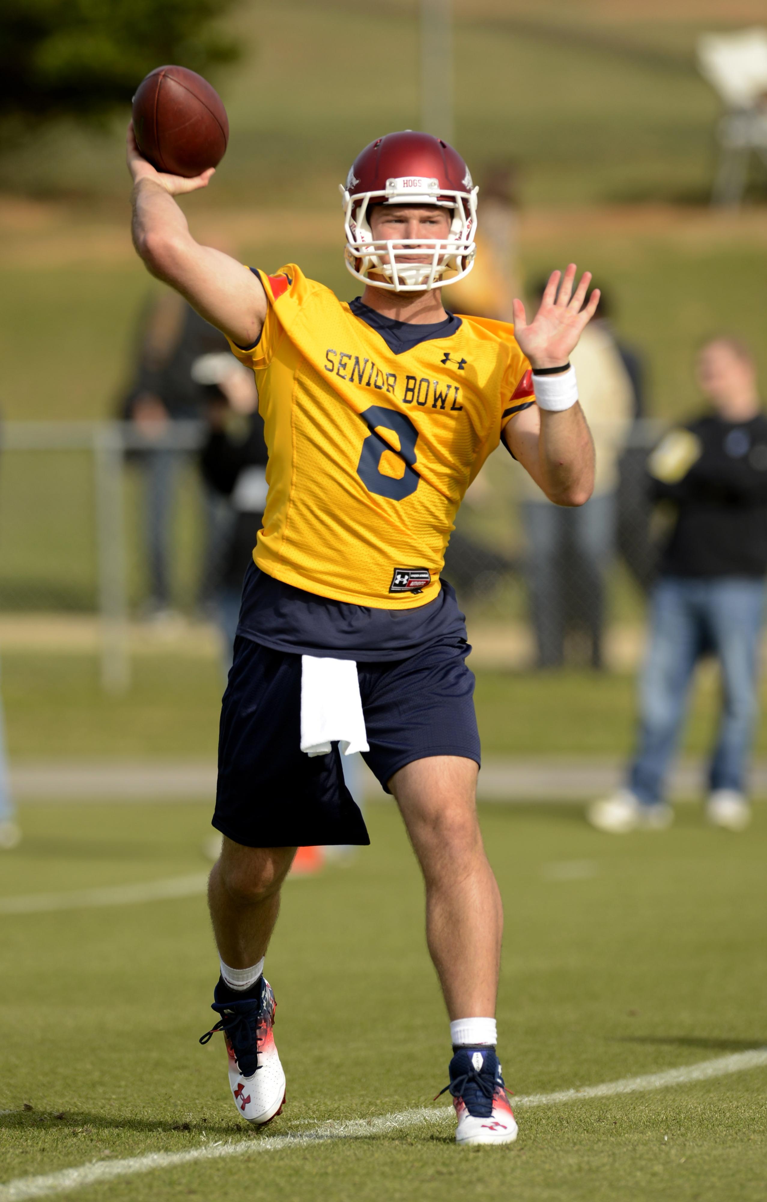 Tyler Wilson practicing at the Senior Bowl