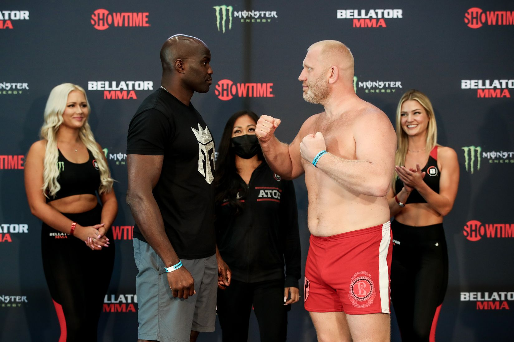 Cheick Kongo and Sergei Kharitonov face off at the Bellator 265 weigh-ins.