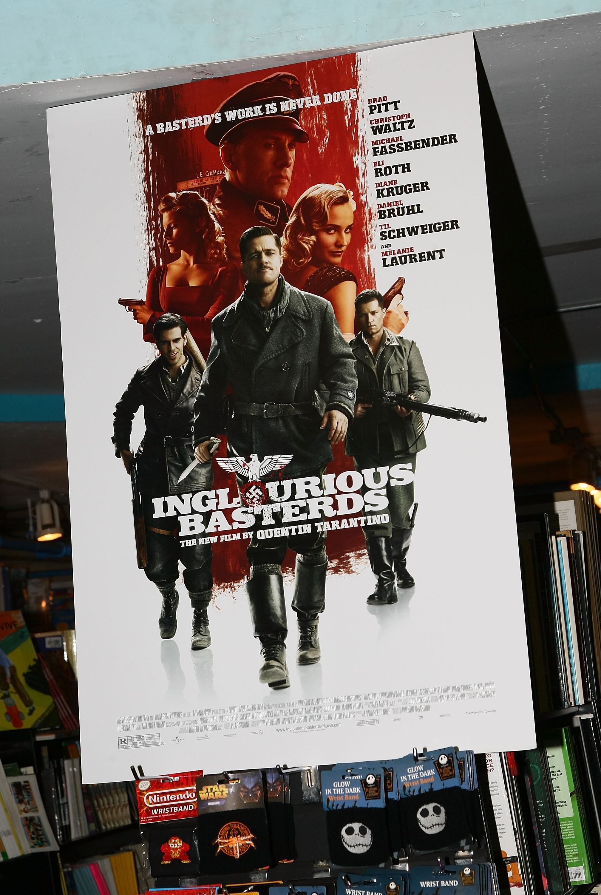 Eli Roth Poster Signing for Inglourious Basterds