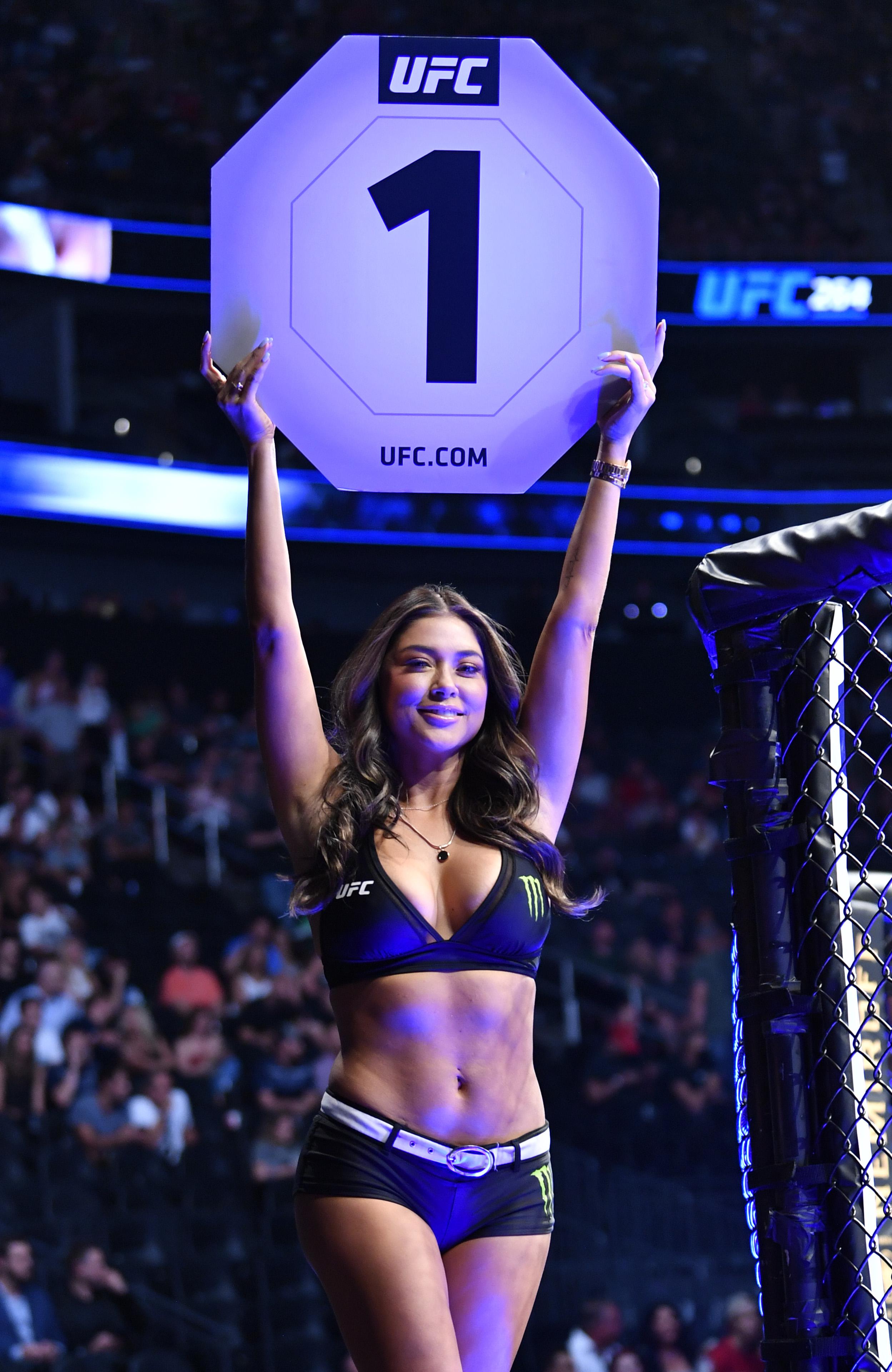 UFC 264: Hall v Topuria