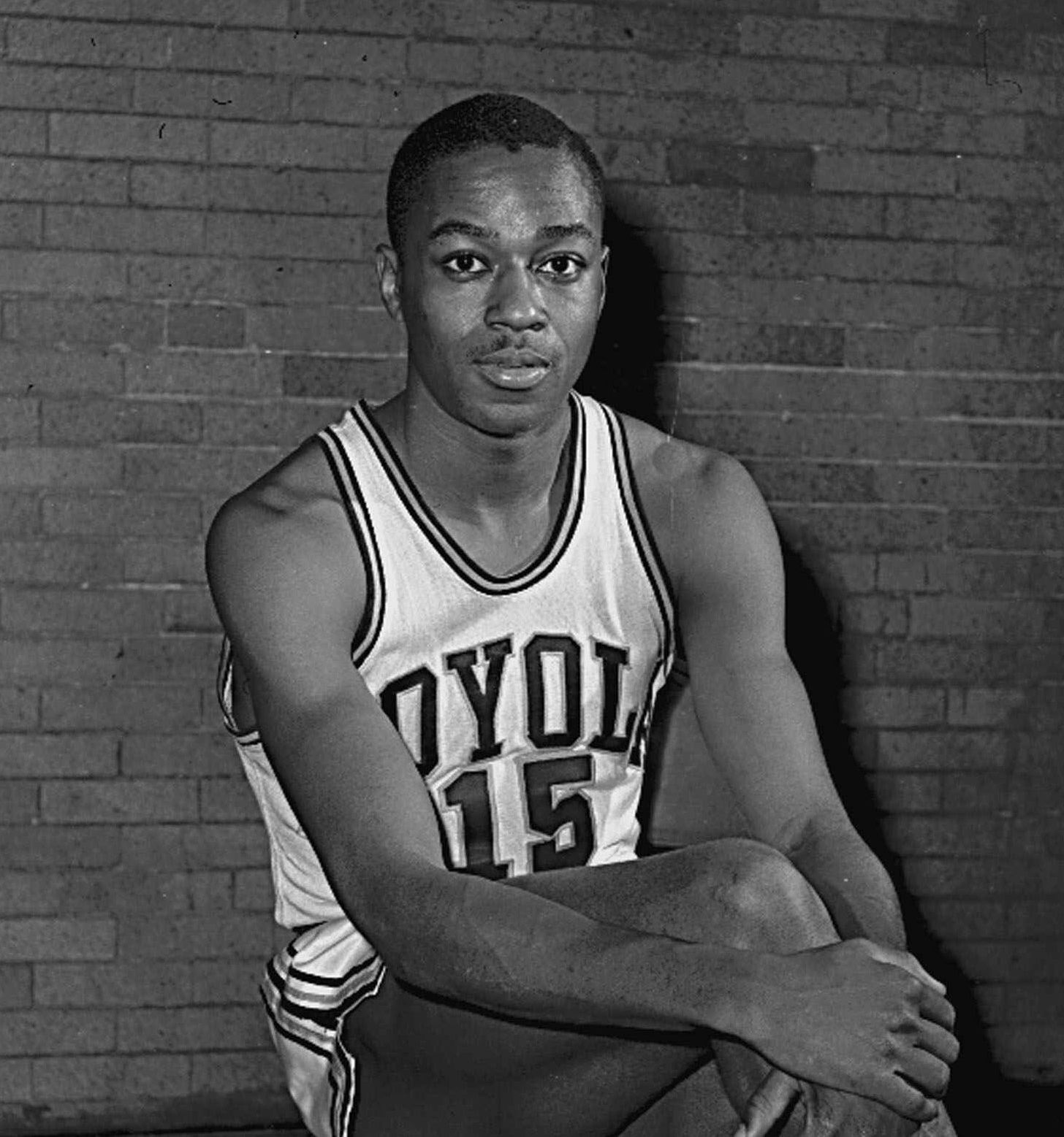Jerry Harkness, a groundbreaker who helped lead Loyola to an NCAA men's basketball championship, has died at age 81.