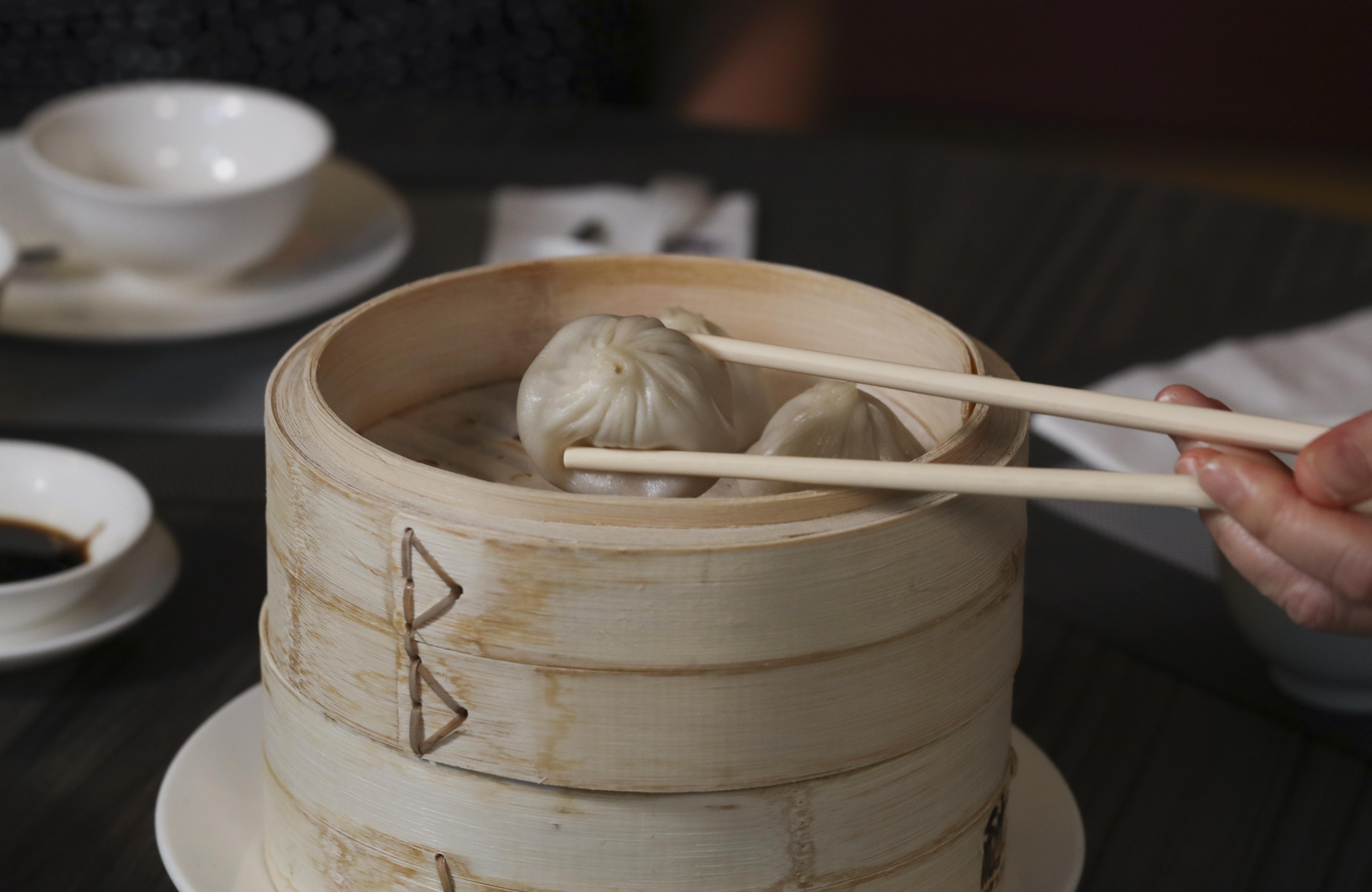 Different ways to eat Xiaolong Bao, at Crystal Jade Jiang Nan Shop 310, Tai Yau Building, 181 Johnston Road, Wan Chai. in Hong Kong on June 13 2017. 13JUN17 [FEATURES] SCMP / Nora TAM