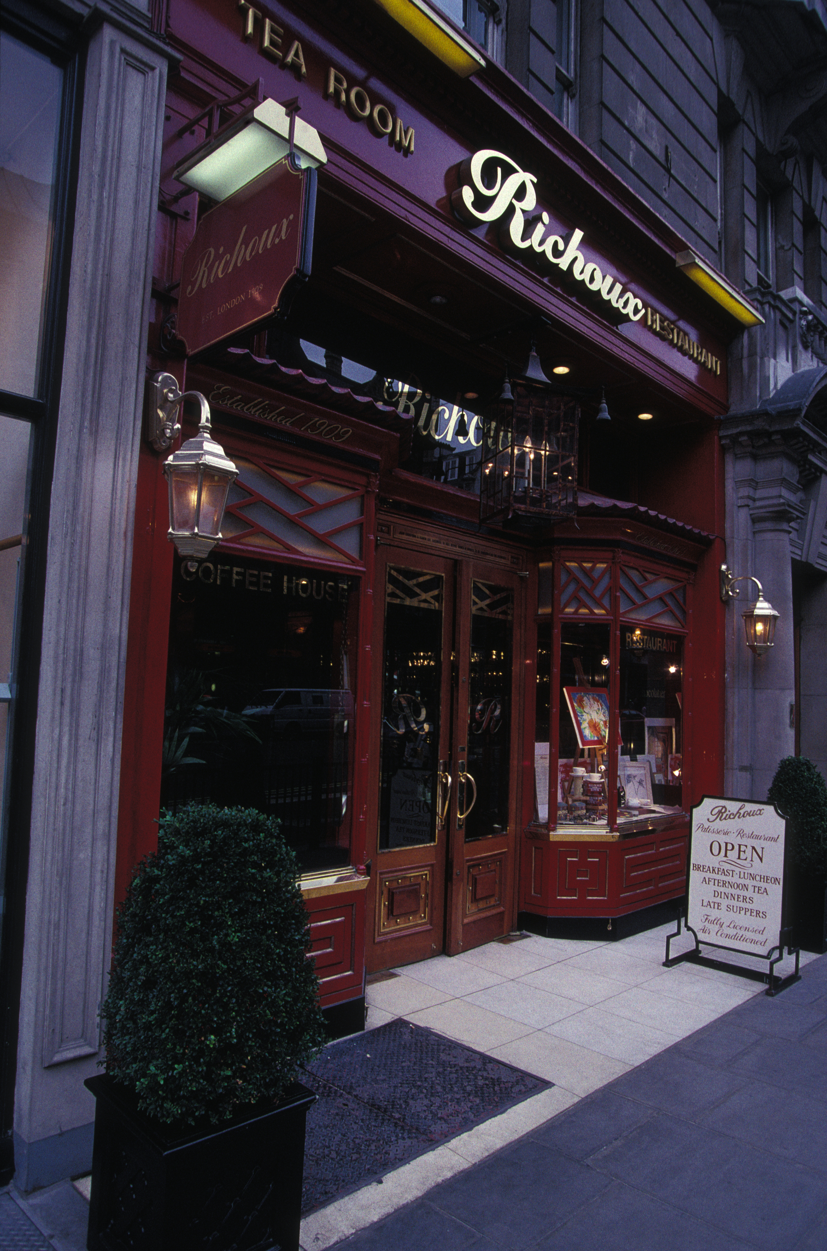 """Le salon de thé """"Richoux"""" à Londres"""