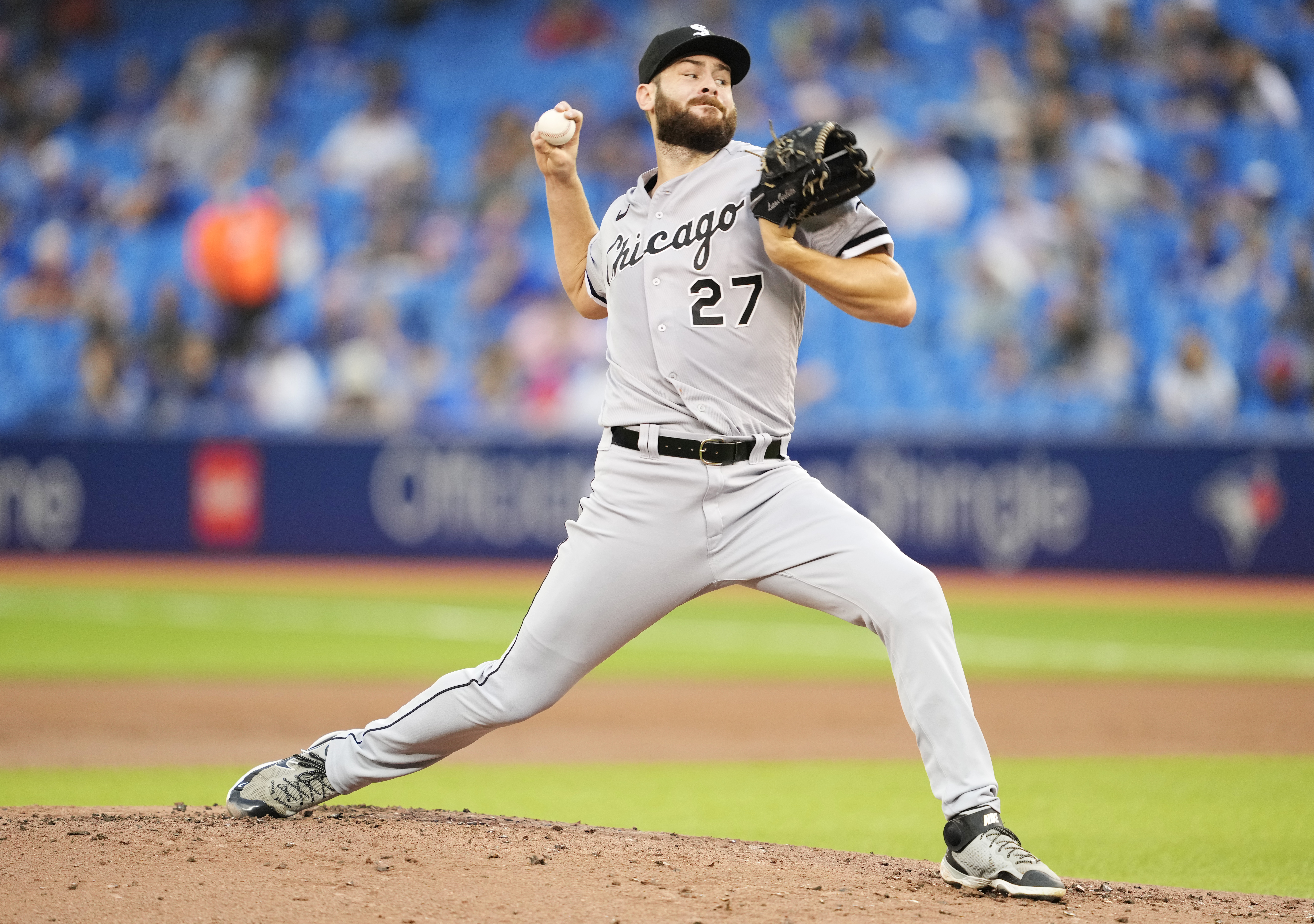 White Sox starter Lucas Giolito delivers during Wednesday's loss to the Blue Jays.