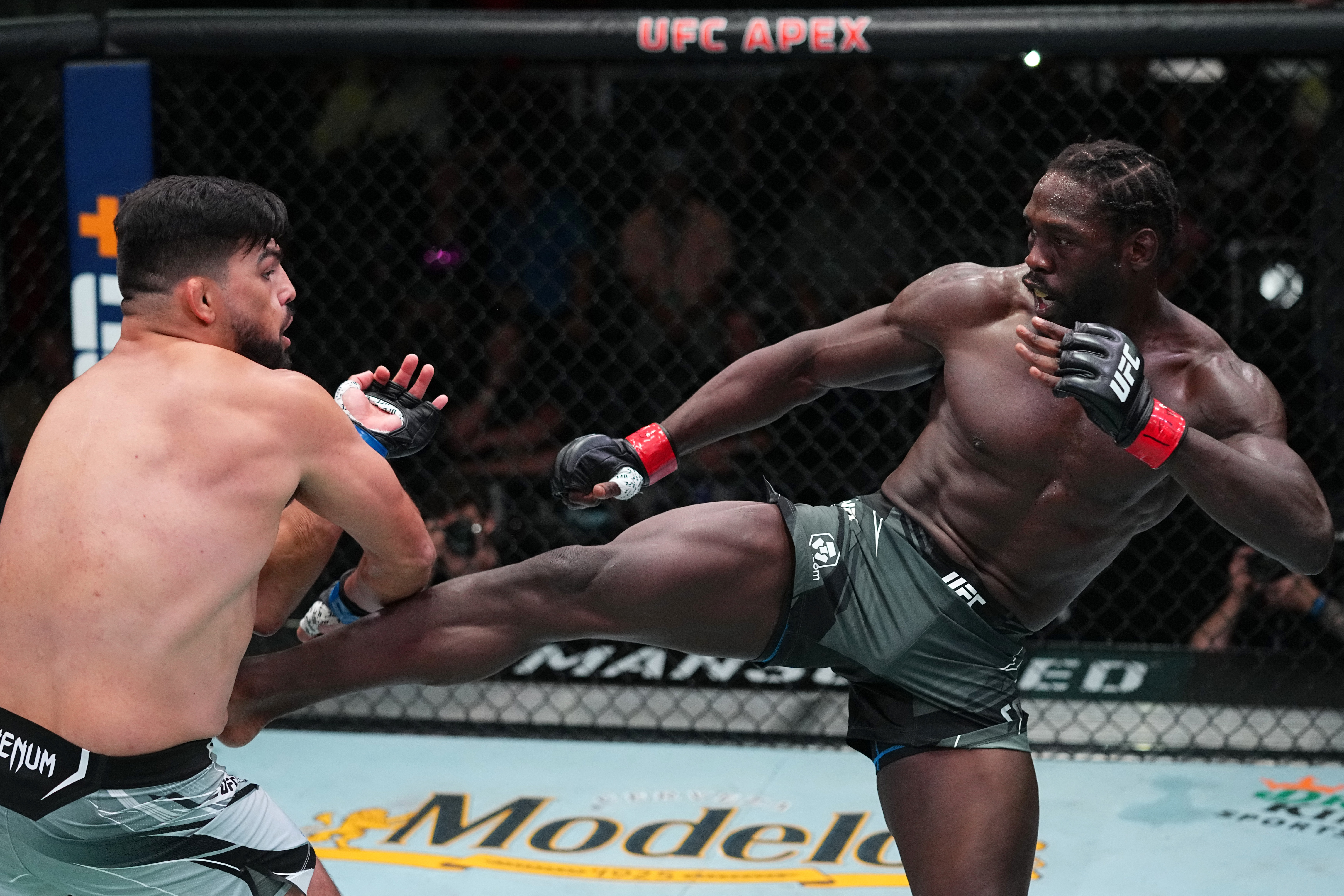 Jared Cannonier during his fight with Kelvin Gastelum at UFC Vegas 34.