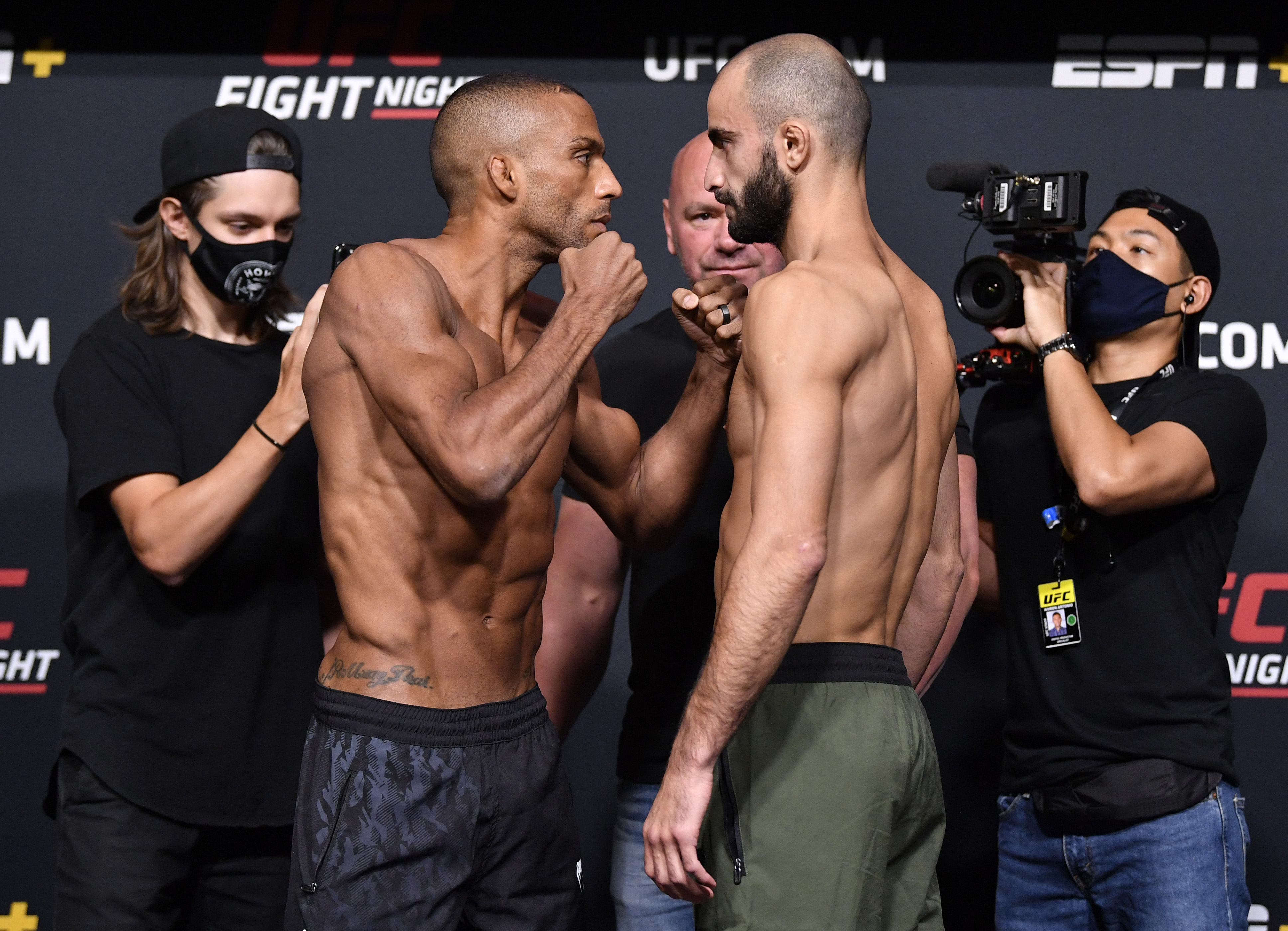 Edson Barboza flips to the betting favorite against Giga Chikadzefor the UFC Vegas 35 main event
