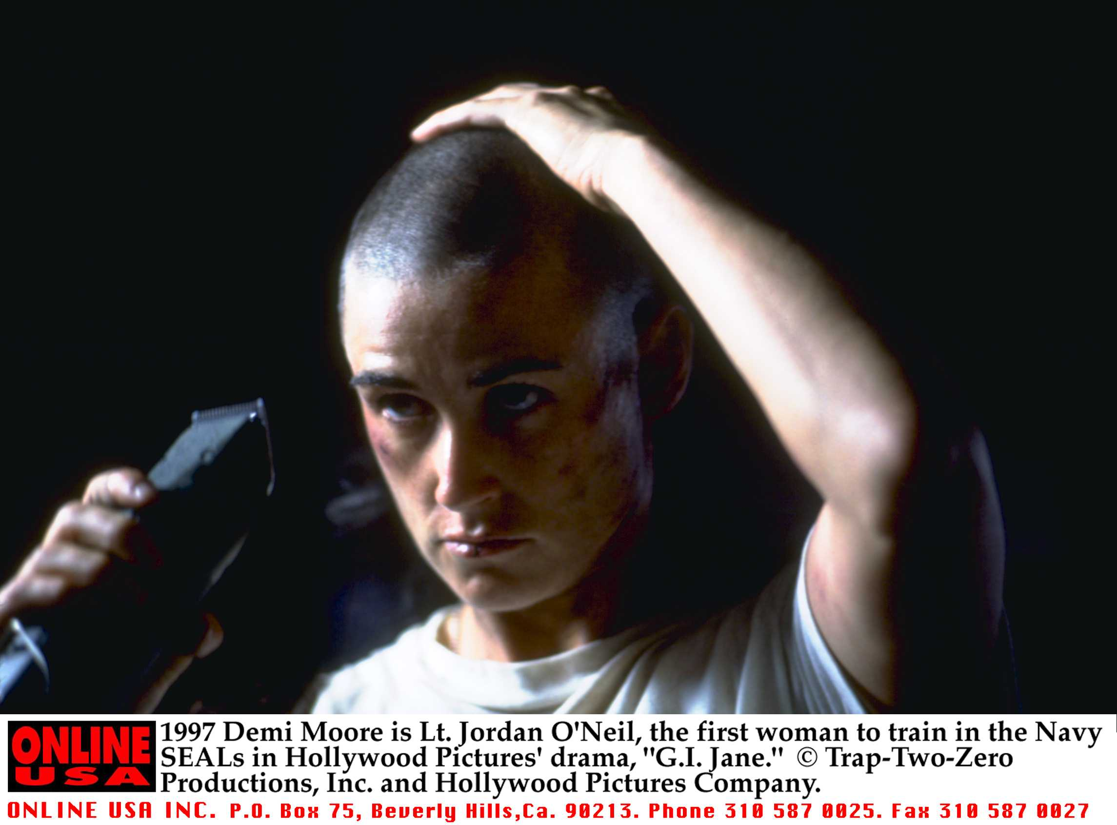 Demi Moore Is Lt Jordan O'Neil The First Woman To Train In The Navy Seals In Hollywood