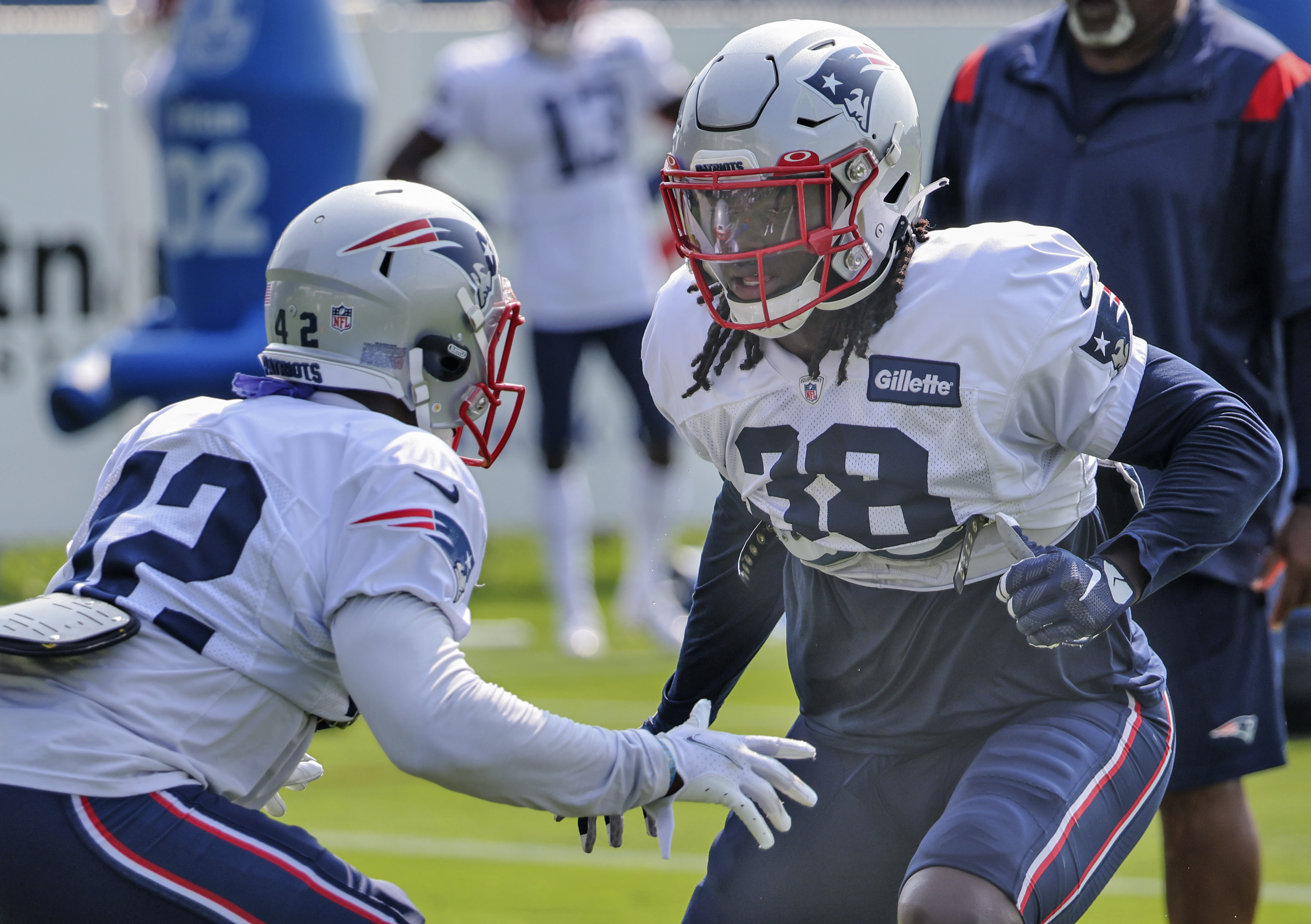 New England Patriots and New York Giants Duel Practice