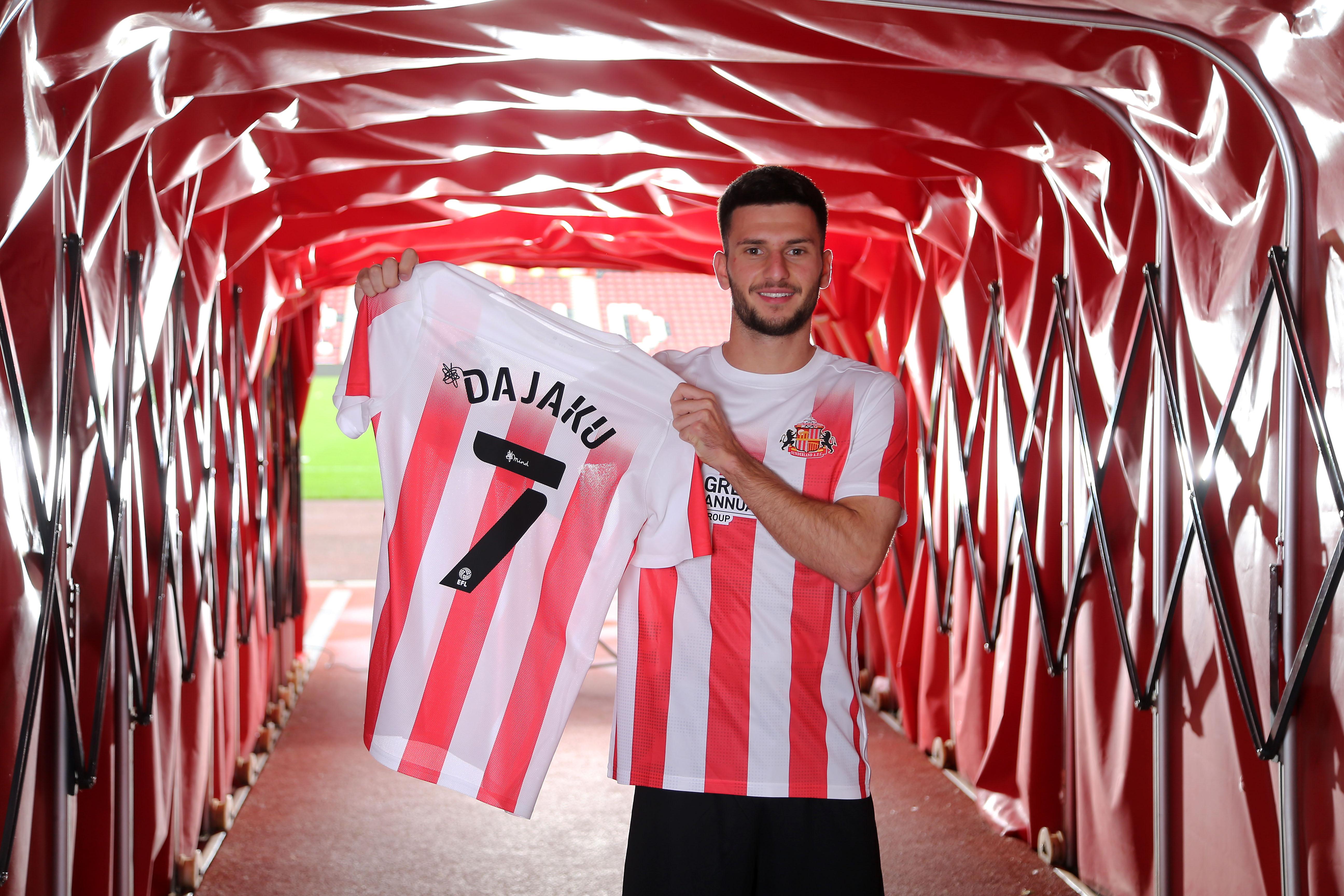 Sunderland Unveil New Signing Leon Dajaku