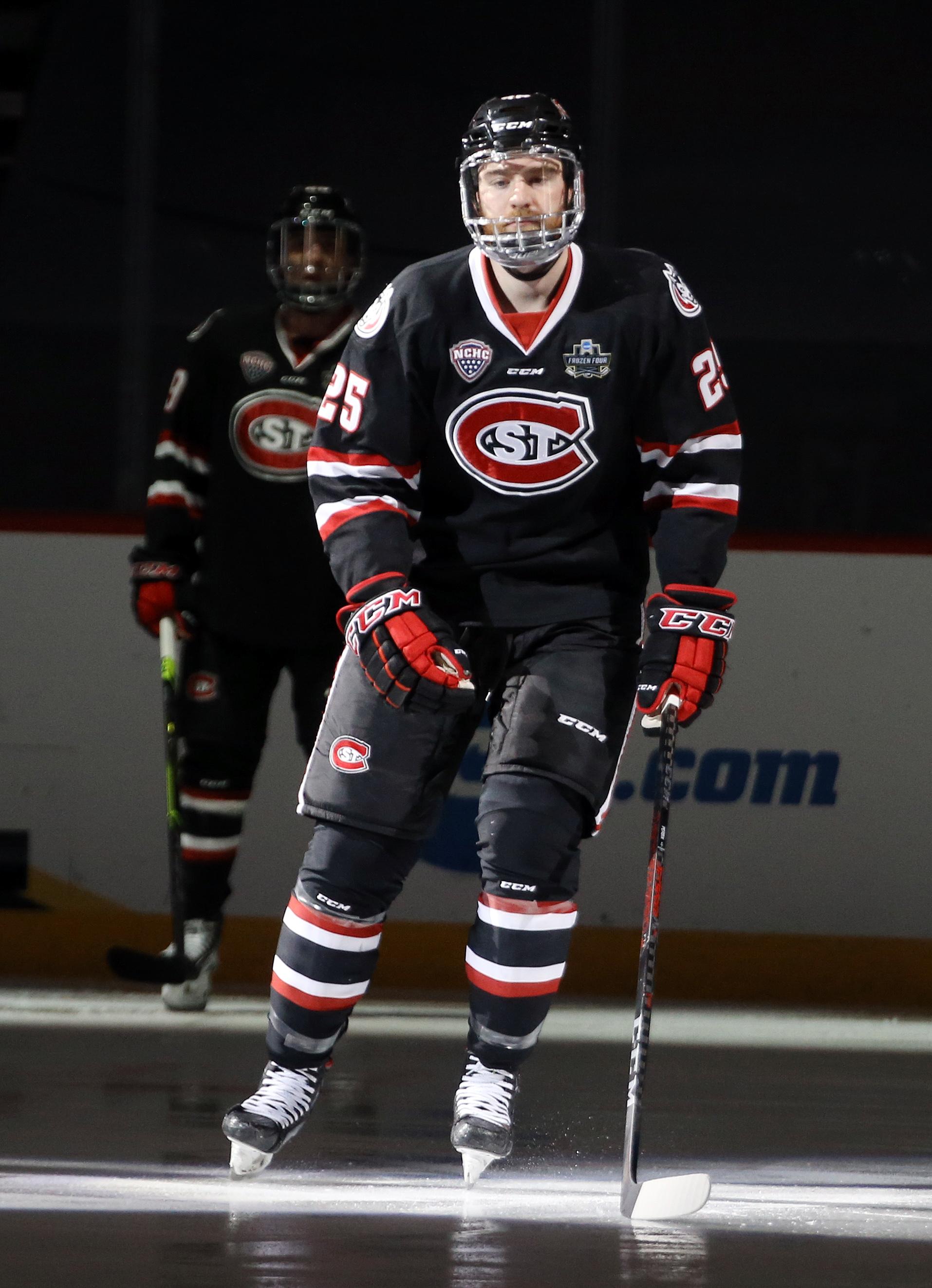 NCAA Hockey: Frozen Four-Massachusetts vs St. Cloud State