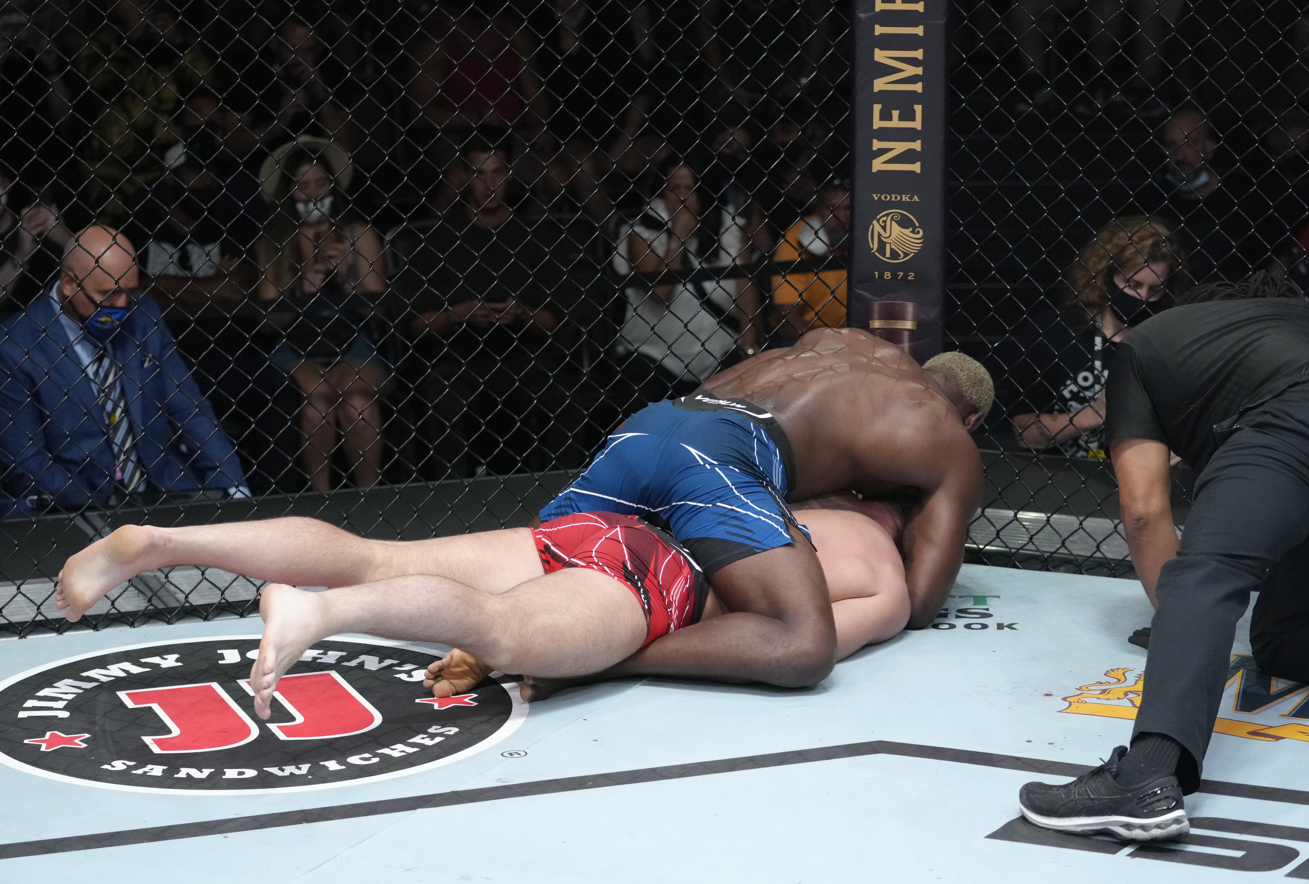 Derek Brunson tapped out Darren Till at UFC Vegas 36.