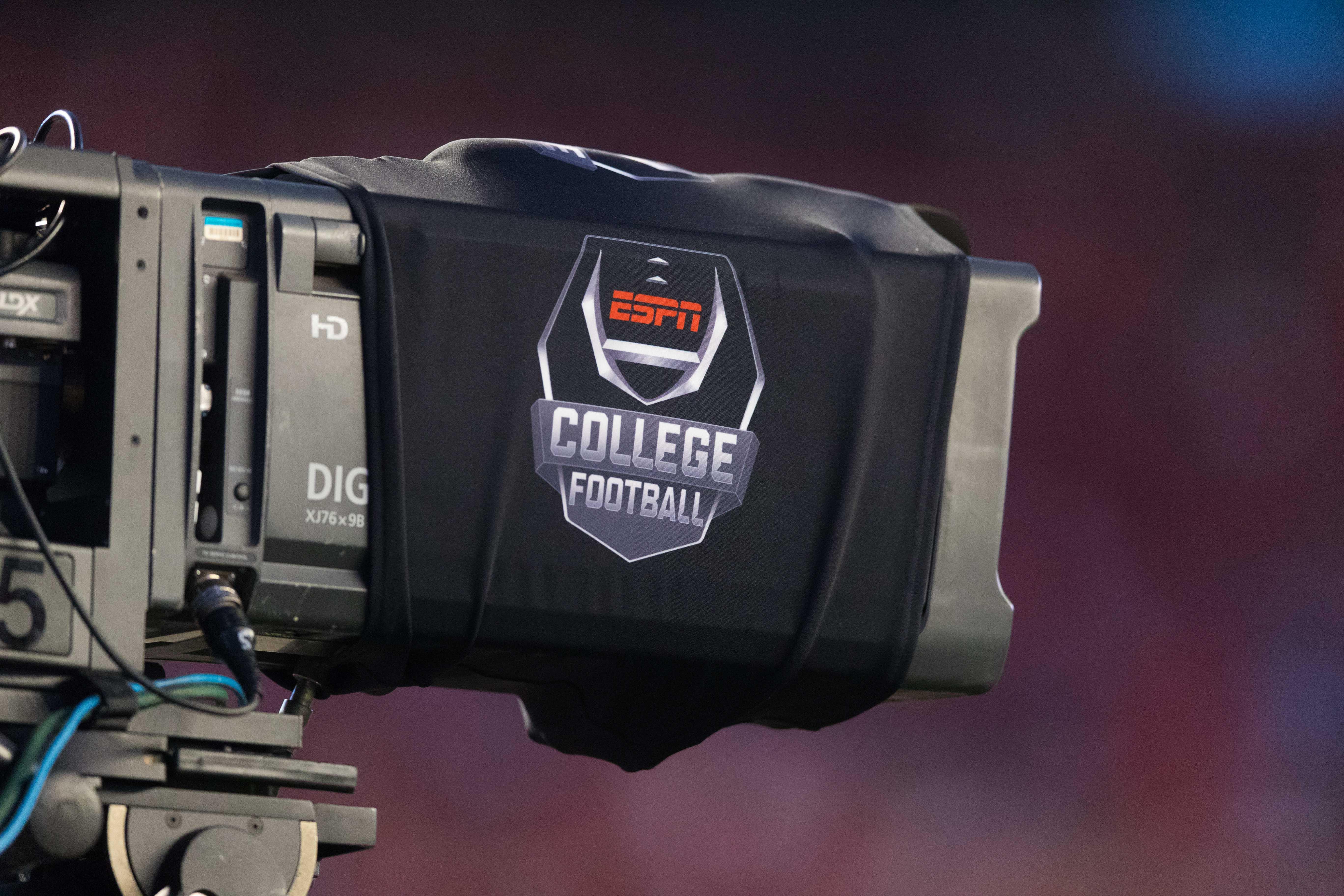 NCAA Football: Western Kentucky at Wisconsin