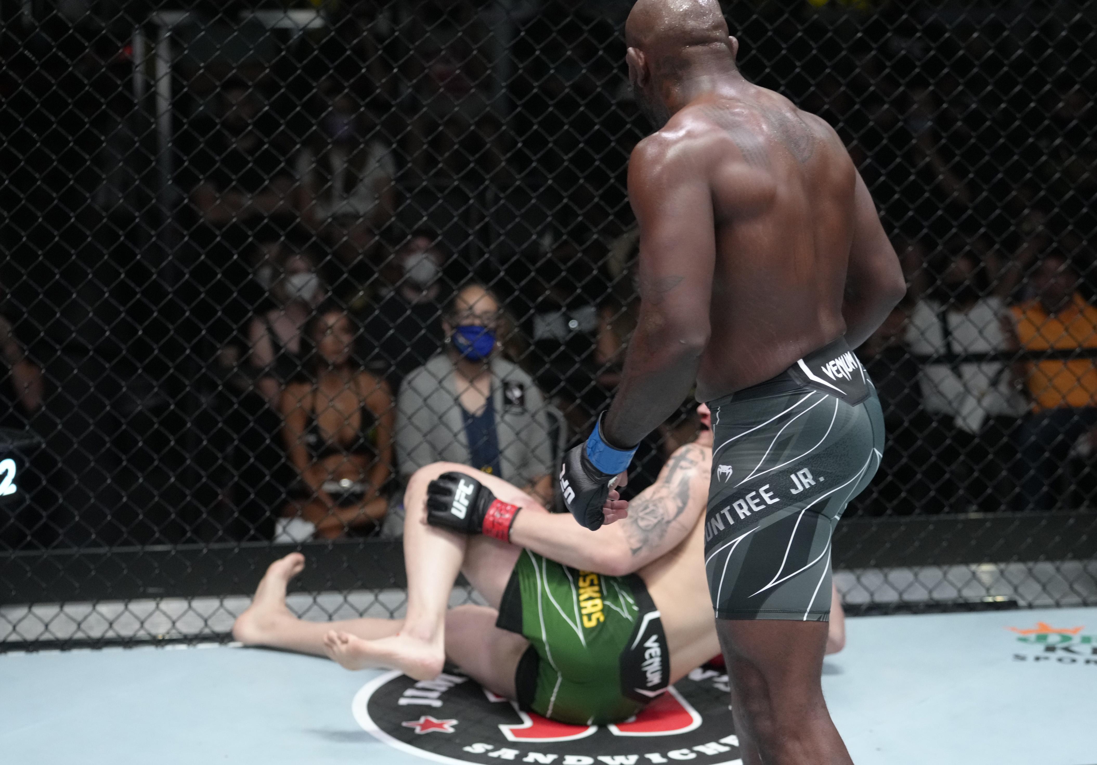 Modestas Bukauskas grabs his leg after absorbing a kick from Khalil Rountree during the UFC Vegas 36