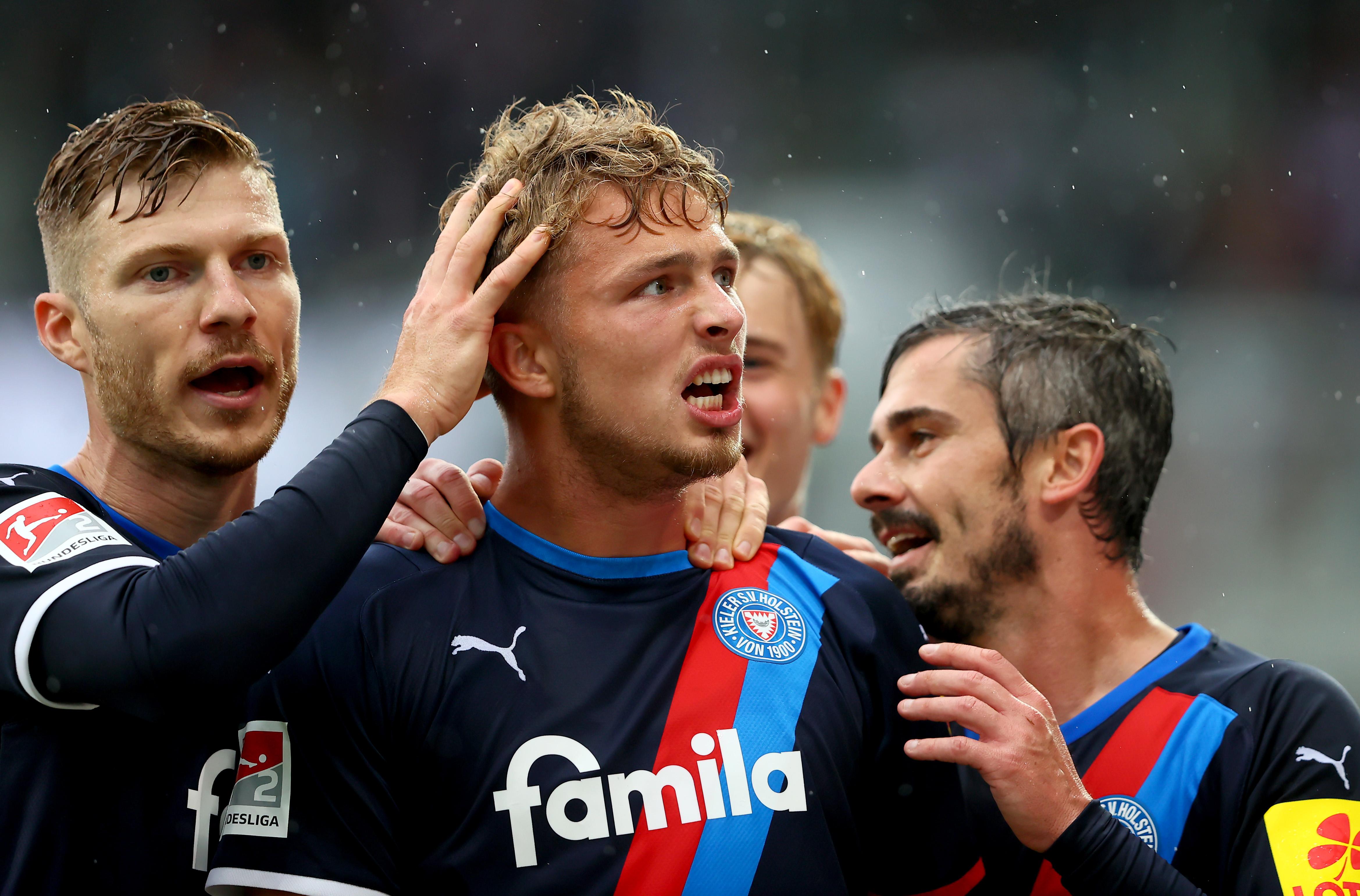 Holstein Kiel v FC Erzgebirge Aue - Second Bundesliga